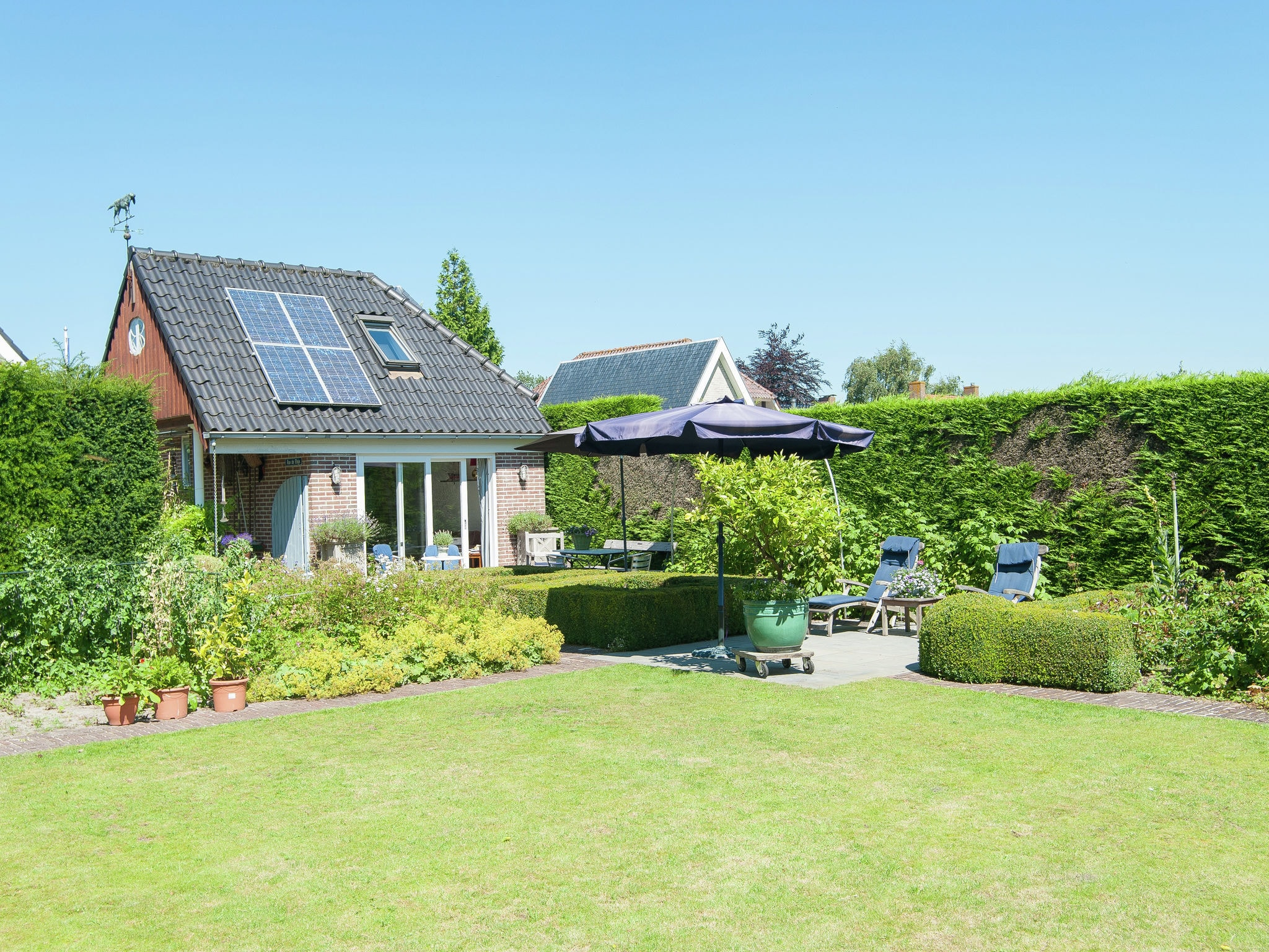 Holland | North Sea Coast North | Holiday home Koningshof | all year | GardenSummer