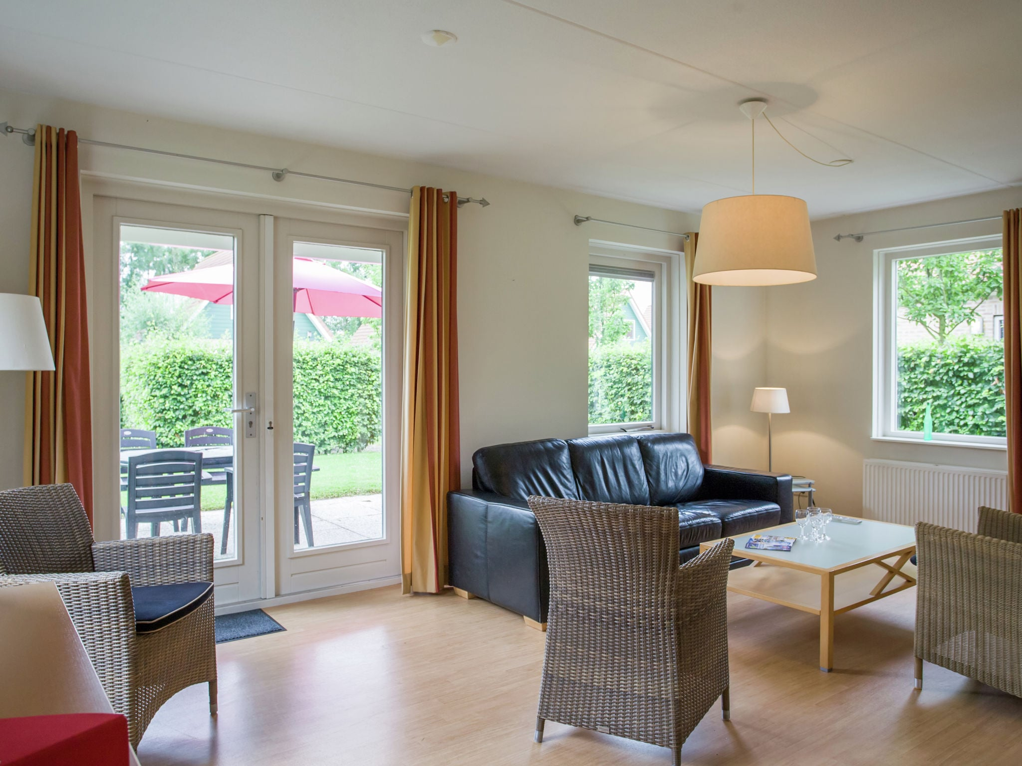 Holland | Zeeland | Holiday home Hompelvoet | all year | LivingRoom