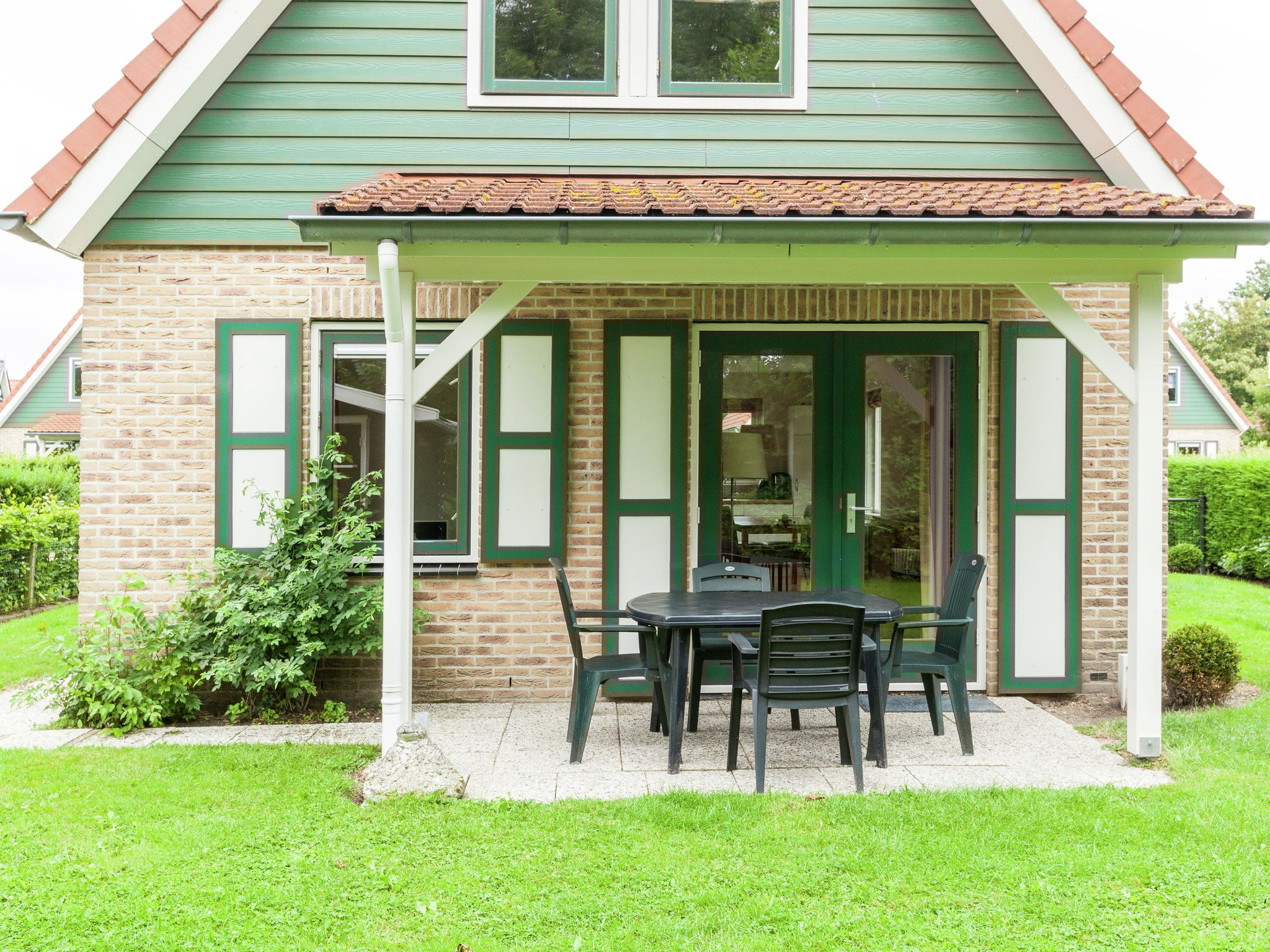 Holland | Zeeland | Holiday home Lepelaar | all year | GardenSummer
