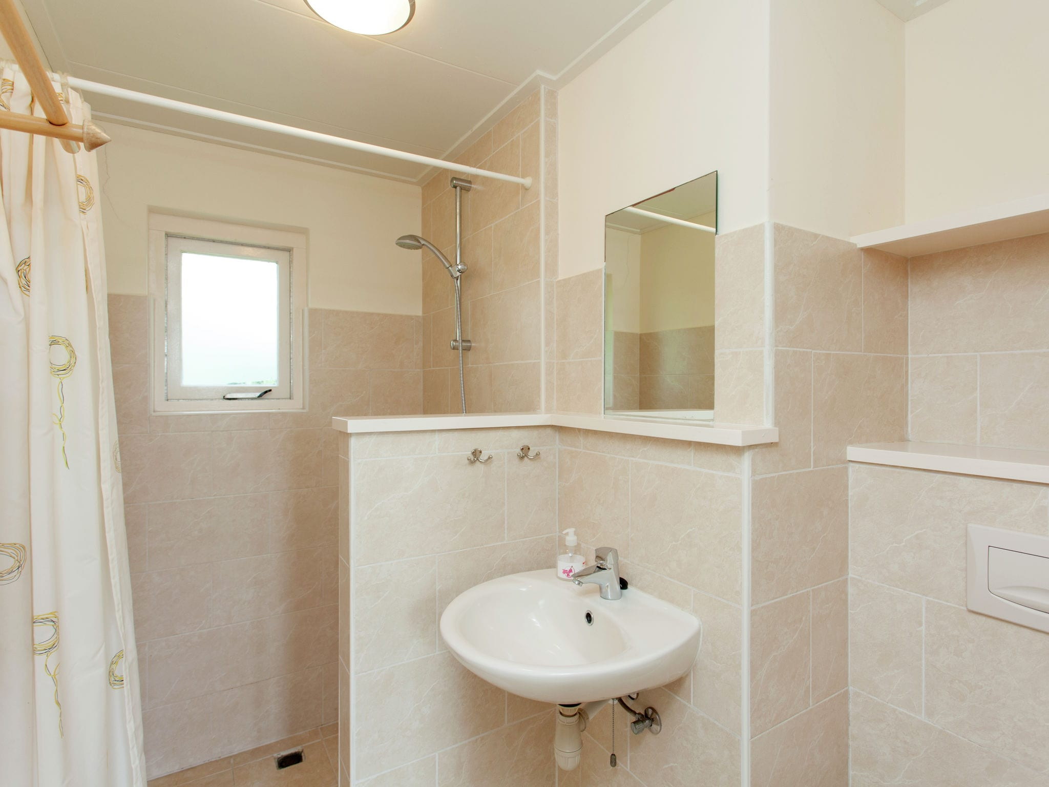 Holland | Wad Islands | Holiday home La Gaviota | all year | BathRoom