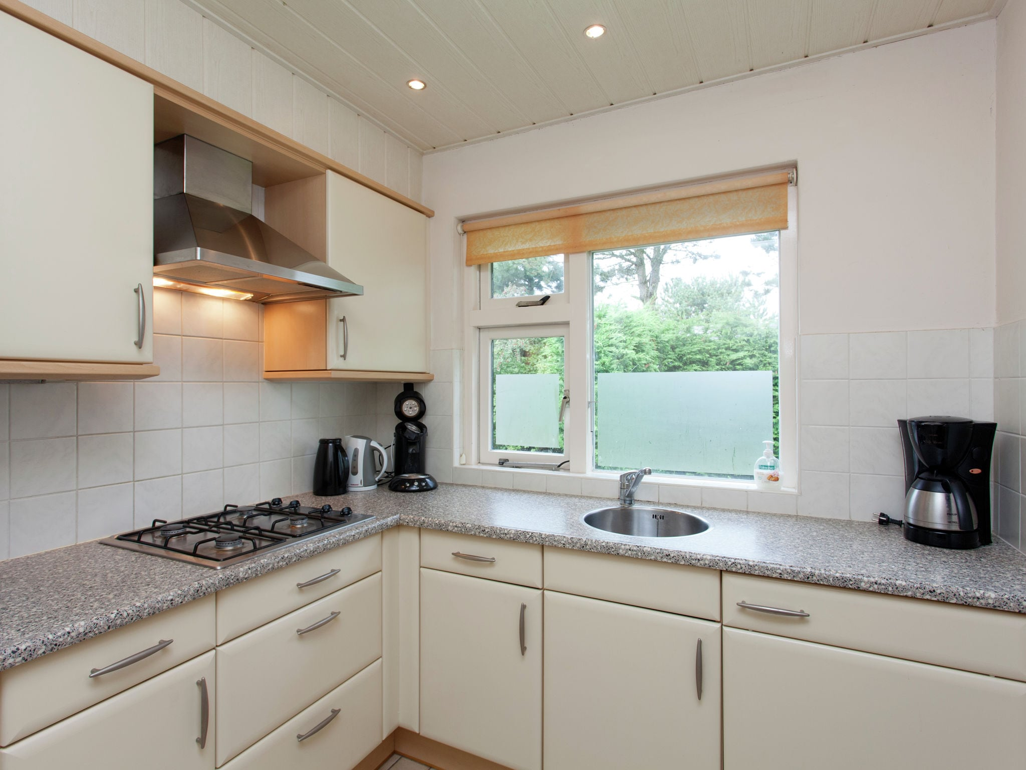 Holland | Wad Islands | Holiday home La Gaviota | all year | Kitchen