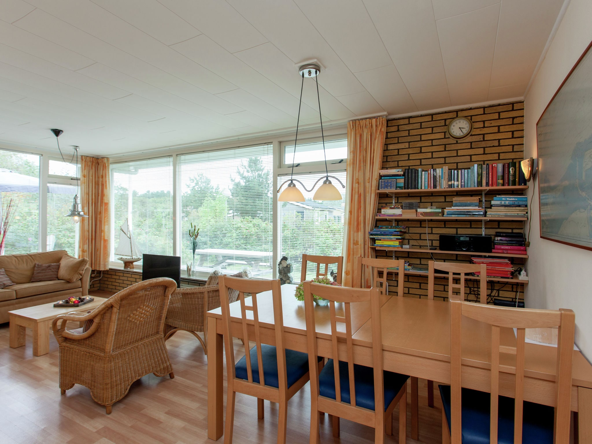 Holland | Wad Islands | Holiday home La Gaviota | all year | DiningRoom