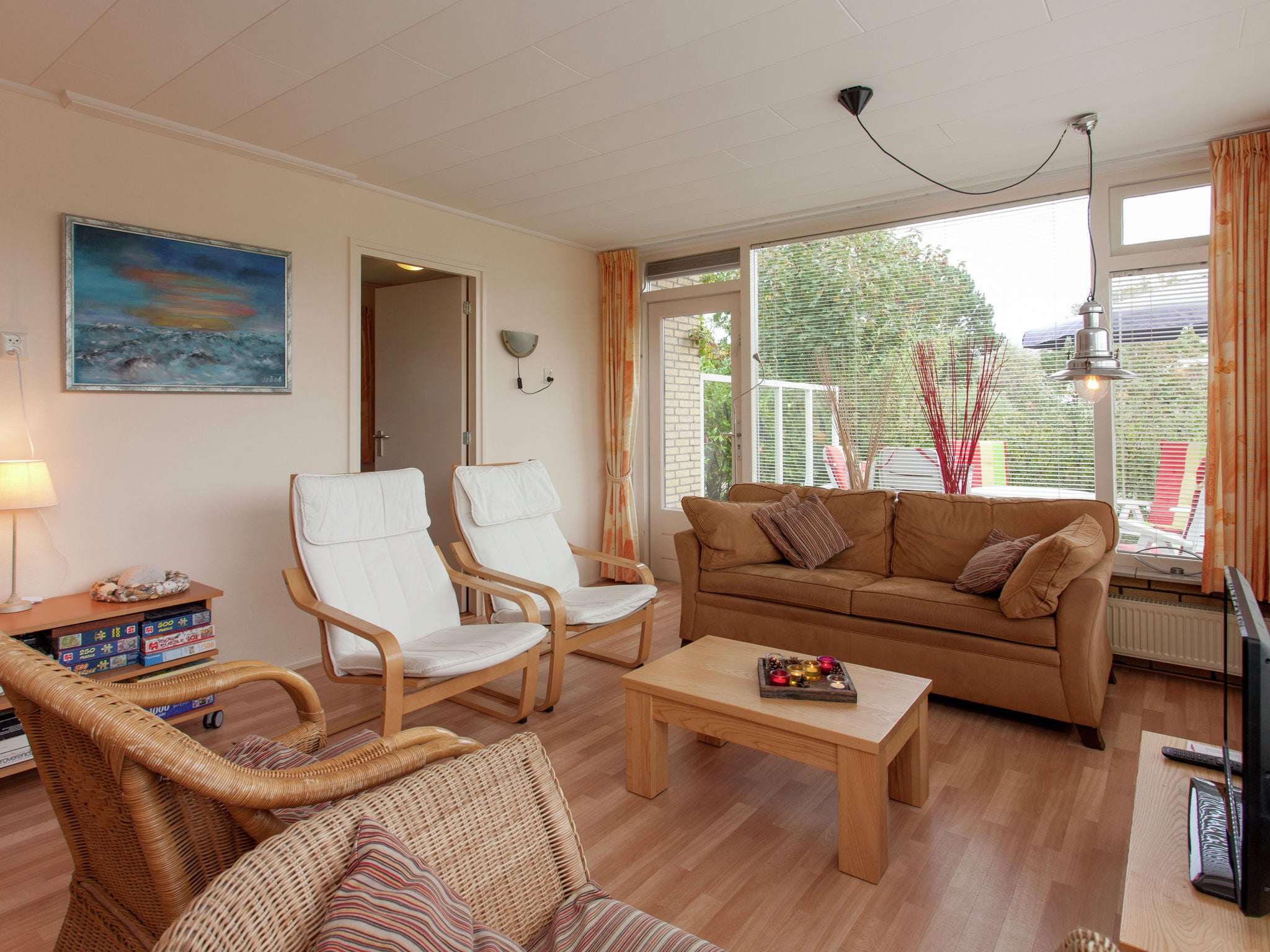 Holland | Wad Islands | Holiday home La Gaviota | all year | LivingRoom
