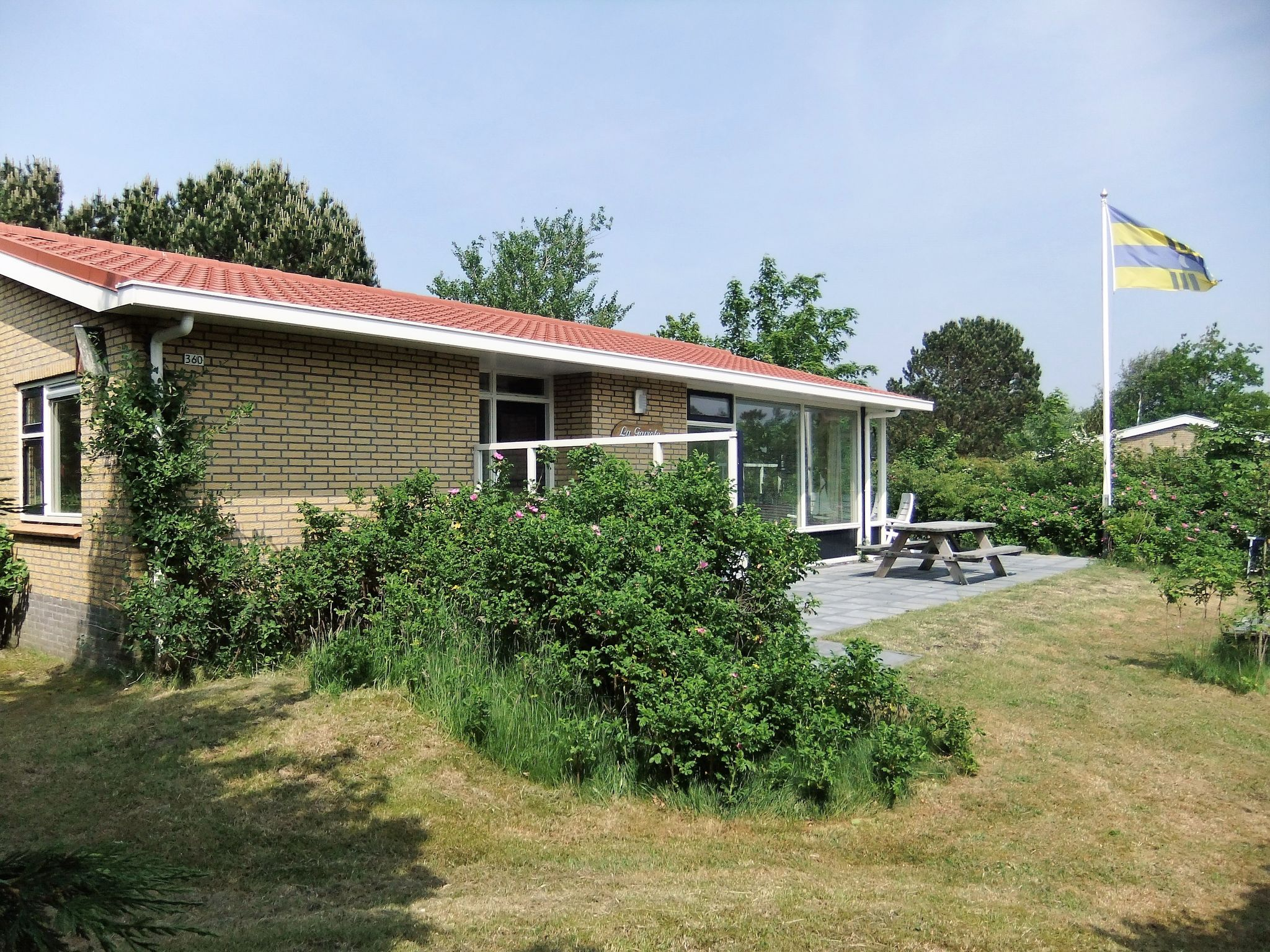 Holland | Wad Islands | Holiday home La Gaviota | all year | GardenSummer