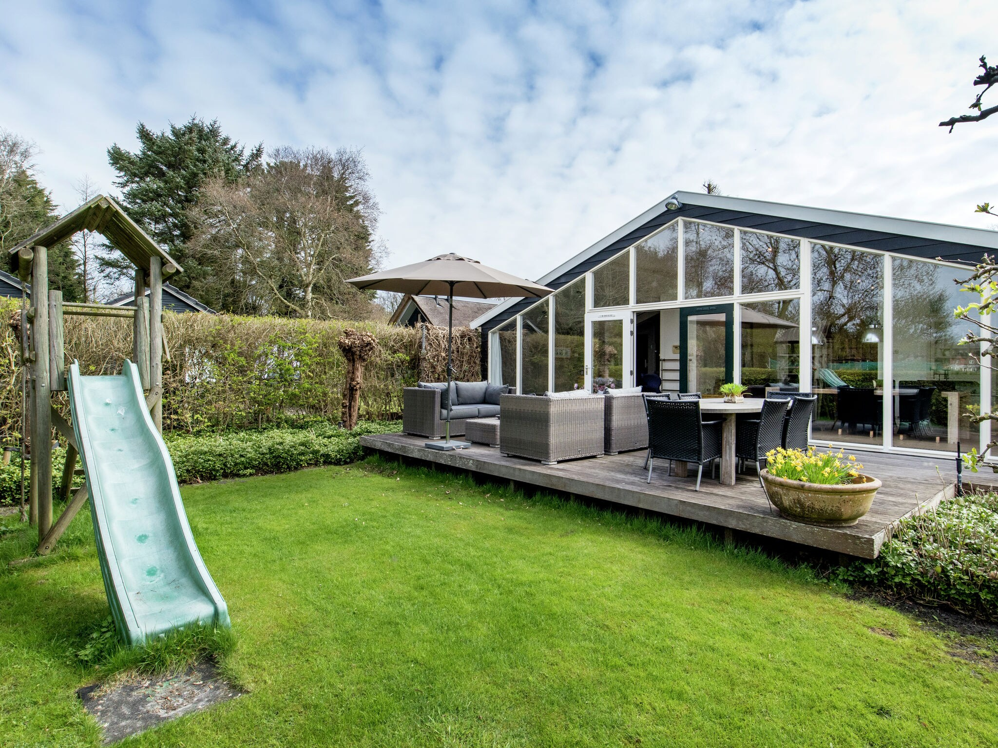 Holland | North Sea Coast North | Holiday home Spa House | all year | GardenSummer