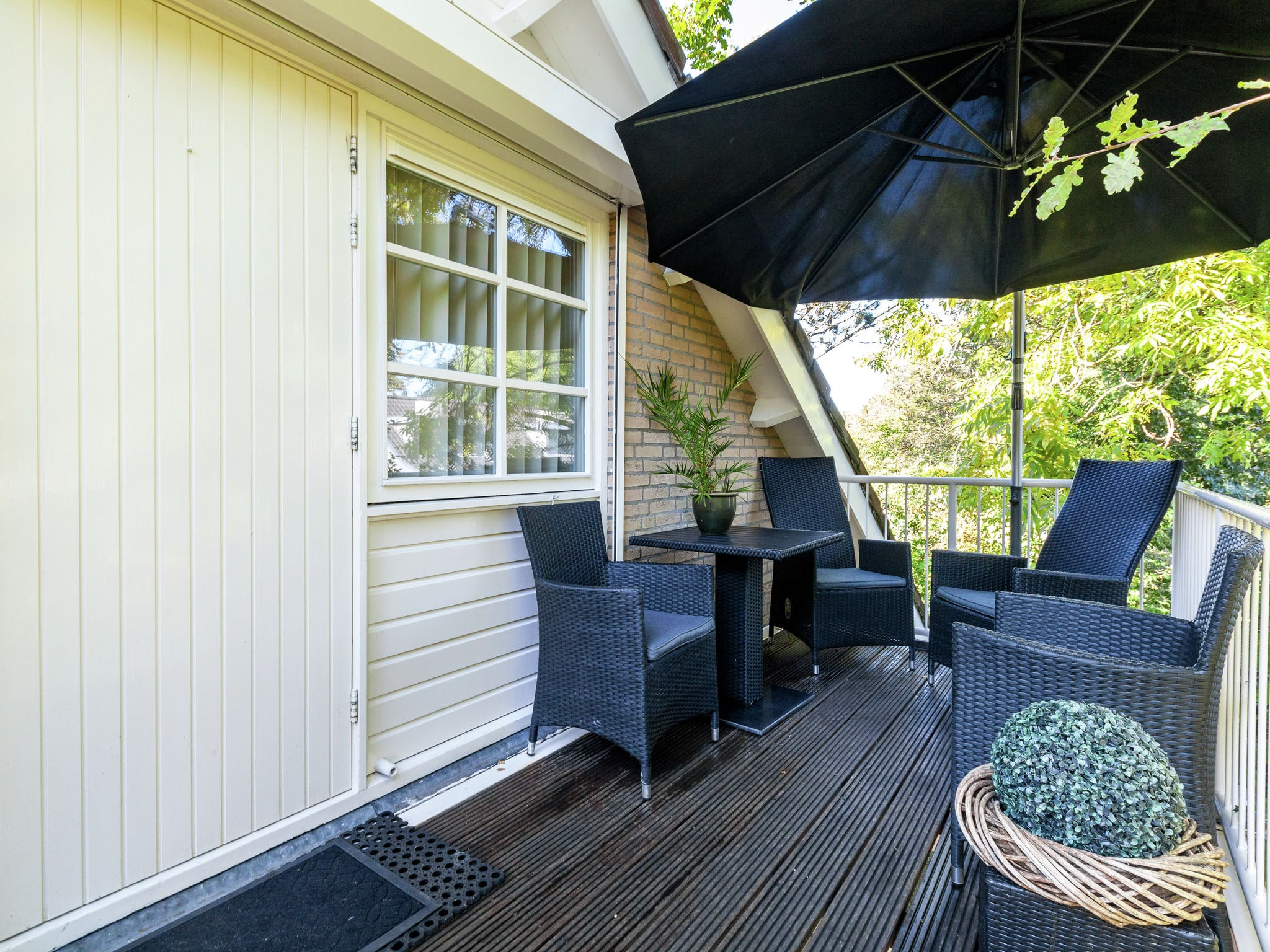 Holland | Zeeland | Holiday home Twee Duinen | all year | TerraceBalcony