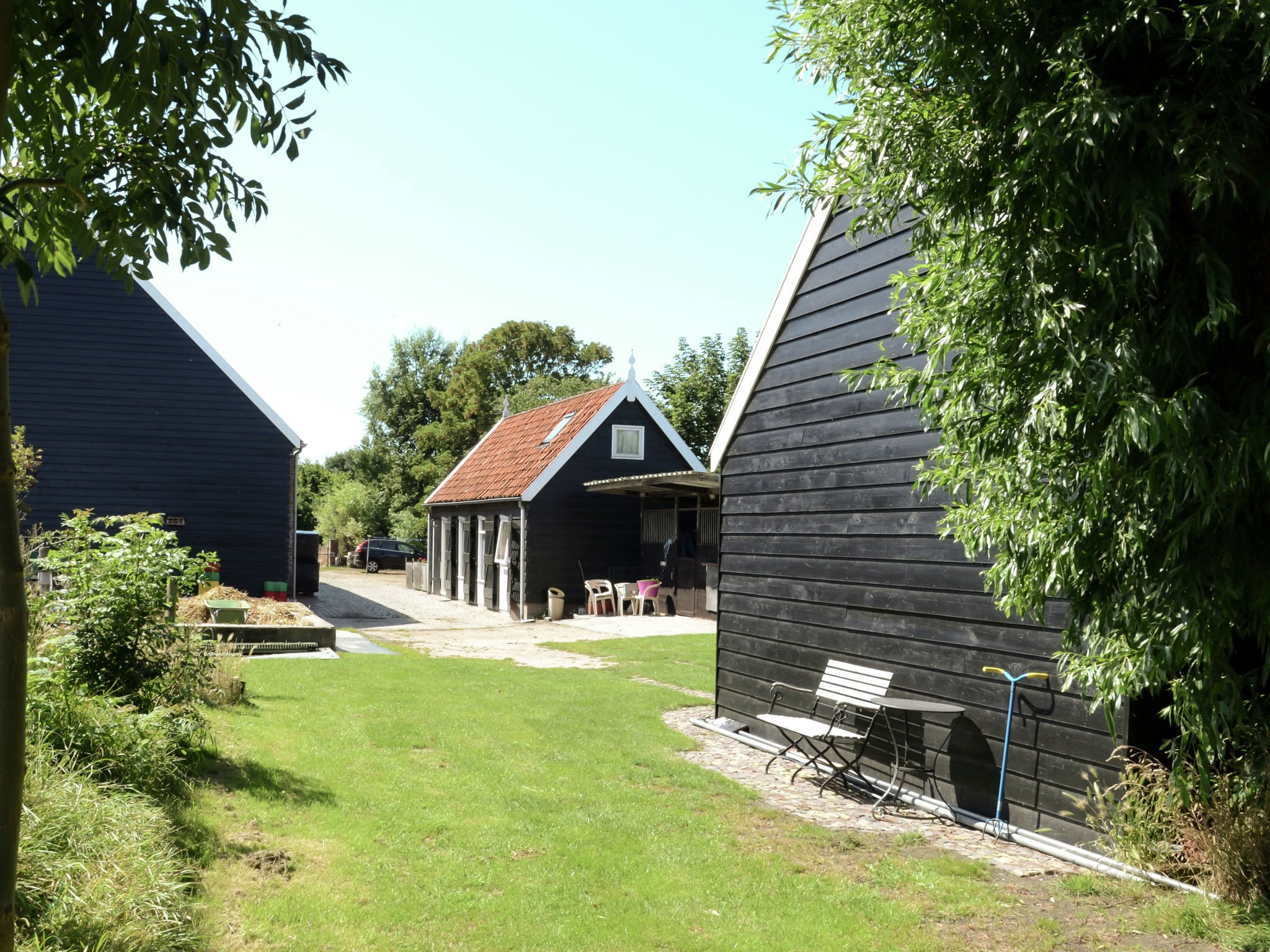 Holland | Zeeland | Holiday home Aan de Westhoek | all year | GardenSummer