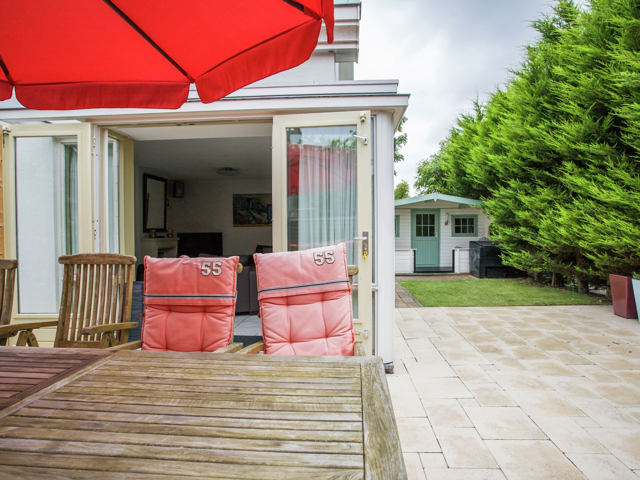 Holland | North Sea Coast South | Holiday home Windstil | all year | GardenSummer