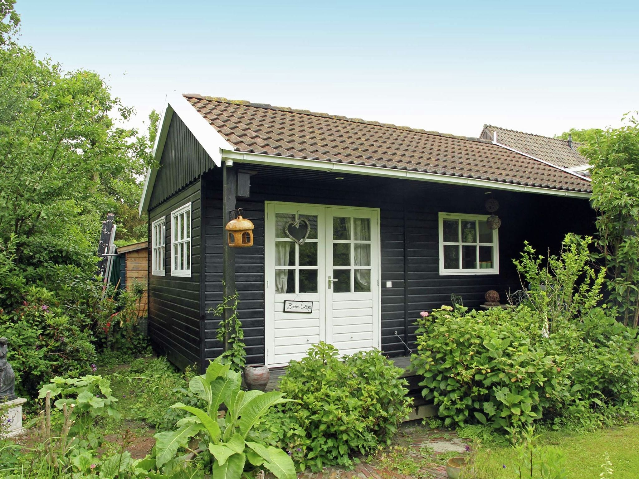 Holland | North Sea Coast North | Holiday home Bebke's Cottage | all year | ExteriorSummer
