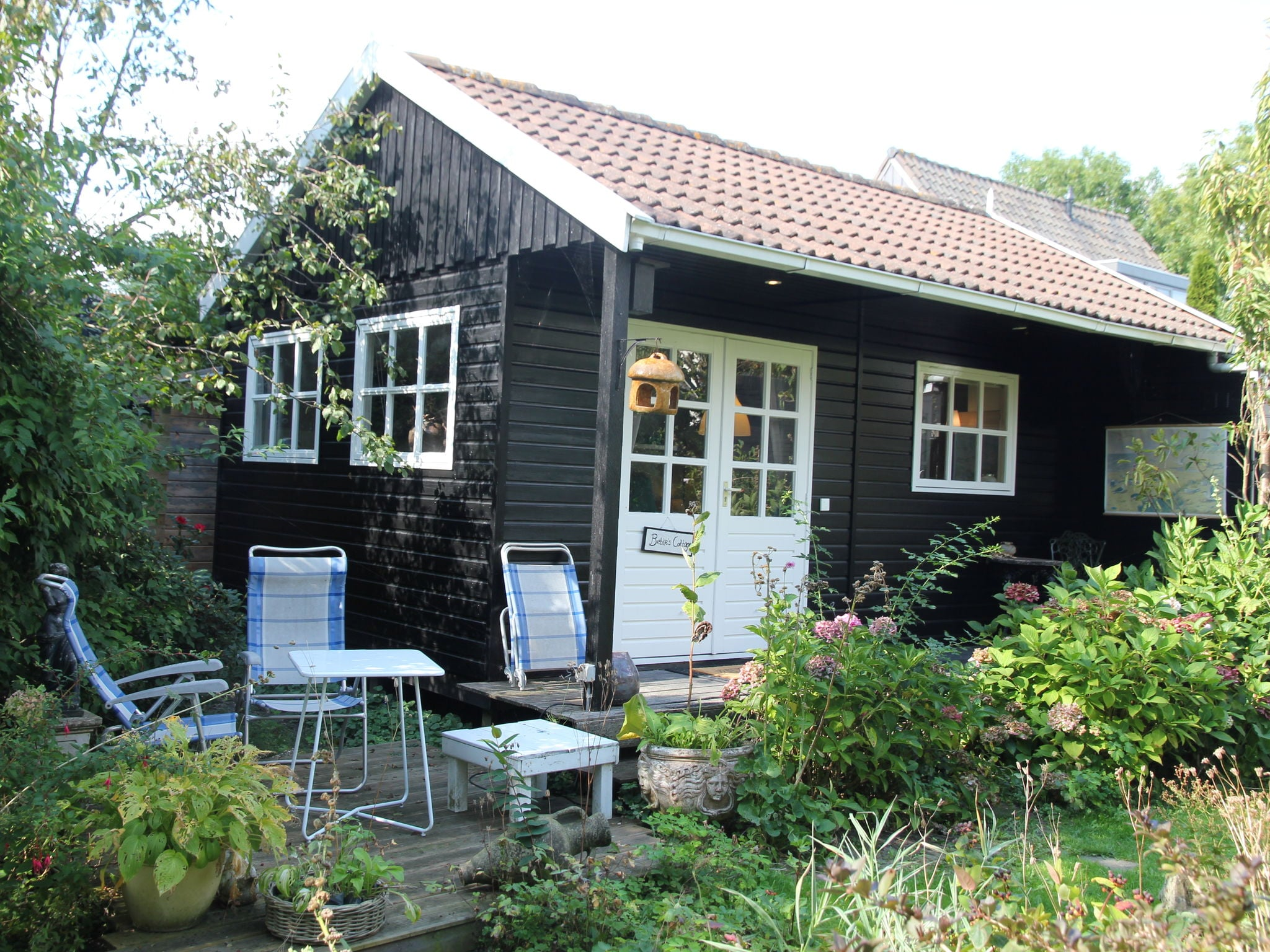 Holland | North Sea Coast North | Holiday home Bebke's Cottage | all year | TerraceBalcony