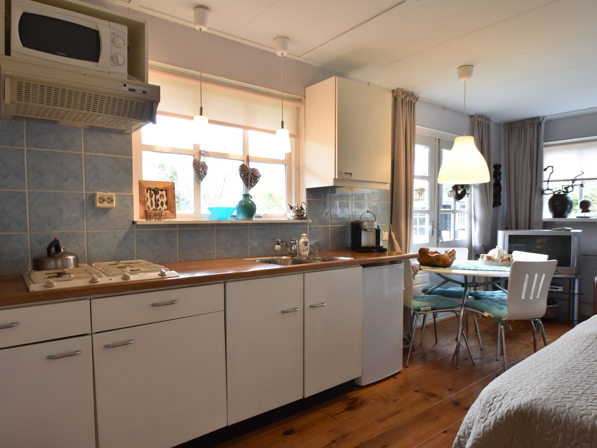 Holland | North Sea Coast North | Holiday home Bebke's Cottage | all year | Kitchen