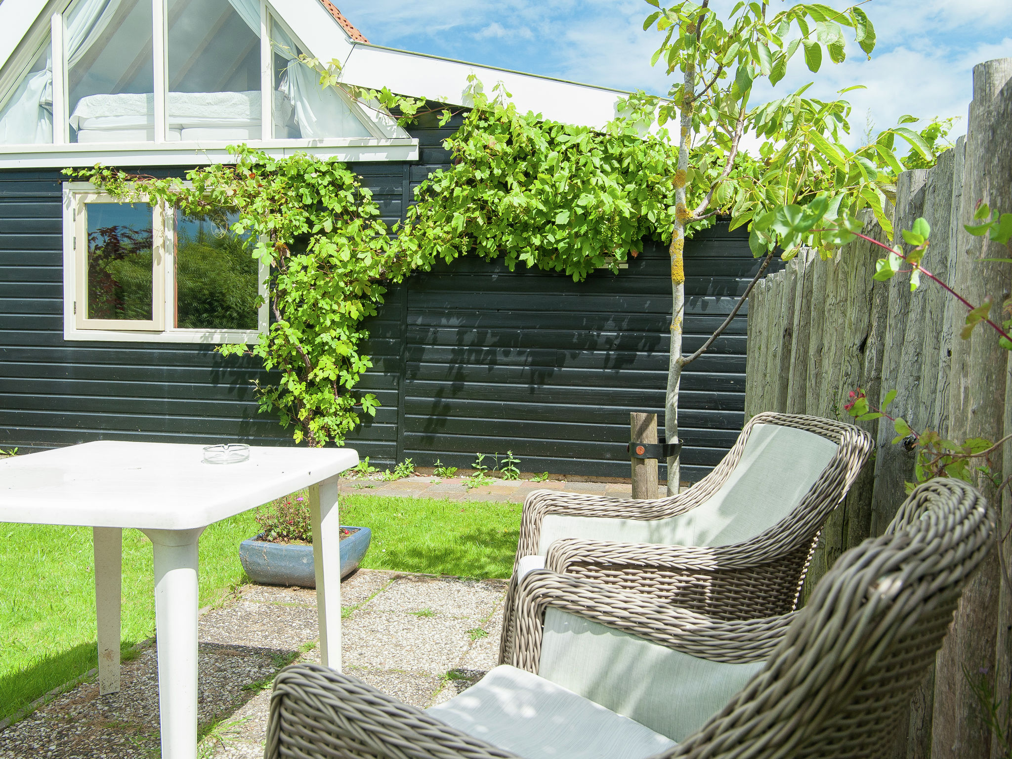 Holland | North Sea Coast North | Holiday home 't Molenaarshuisje | all year | TerraceBalcony