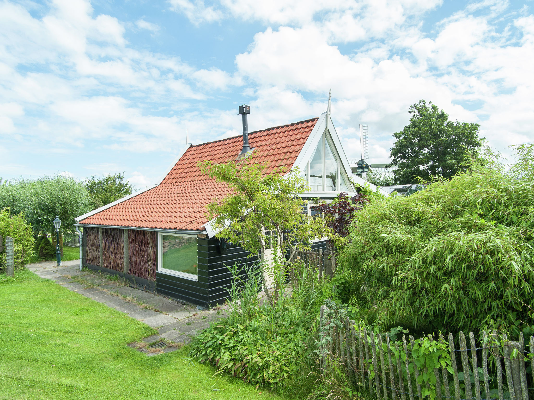 Holland | North Sea Coast North | Holiday home 't Molenaarshuisje | all year | ExteriorSummer