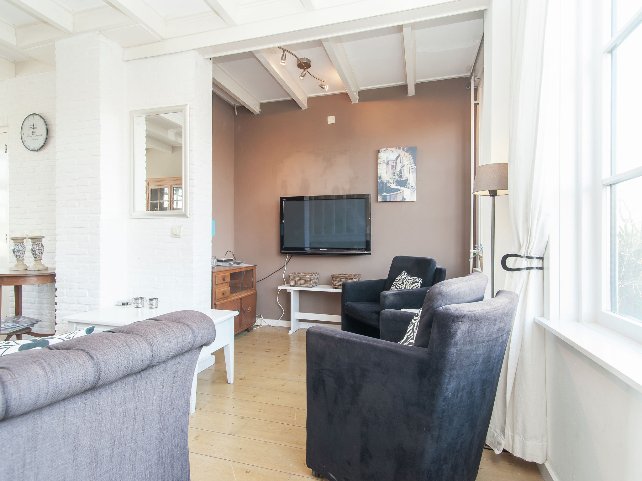 Holland | North Sea Coast North | Holiday home Aan de Haven | all year | LivingRoom