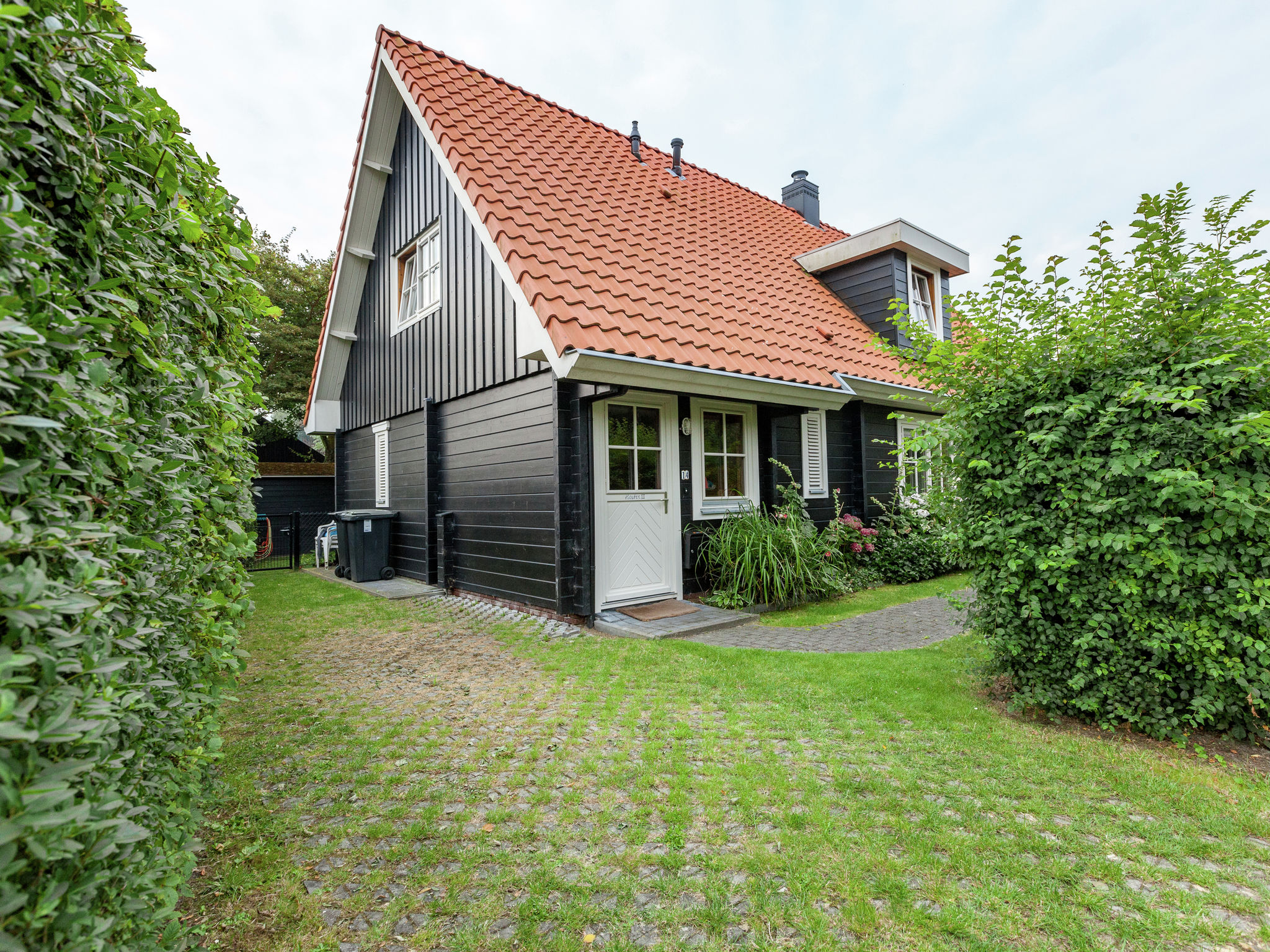 Holland | Zeeland | Holiday home Houten III | all year | ExteriorSummer
