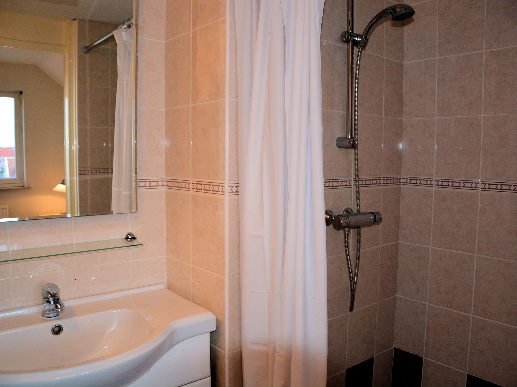 Holland | North Sea Coast South | Holiday home Frederique | all year | BathRoom