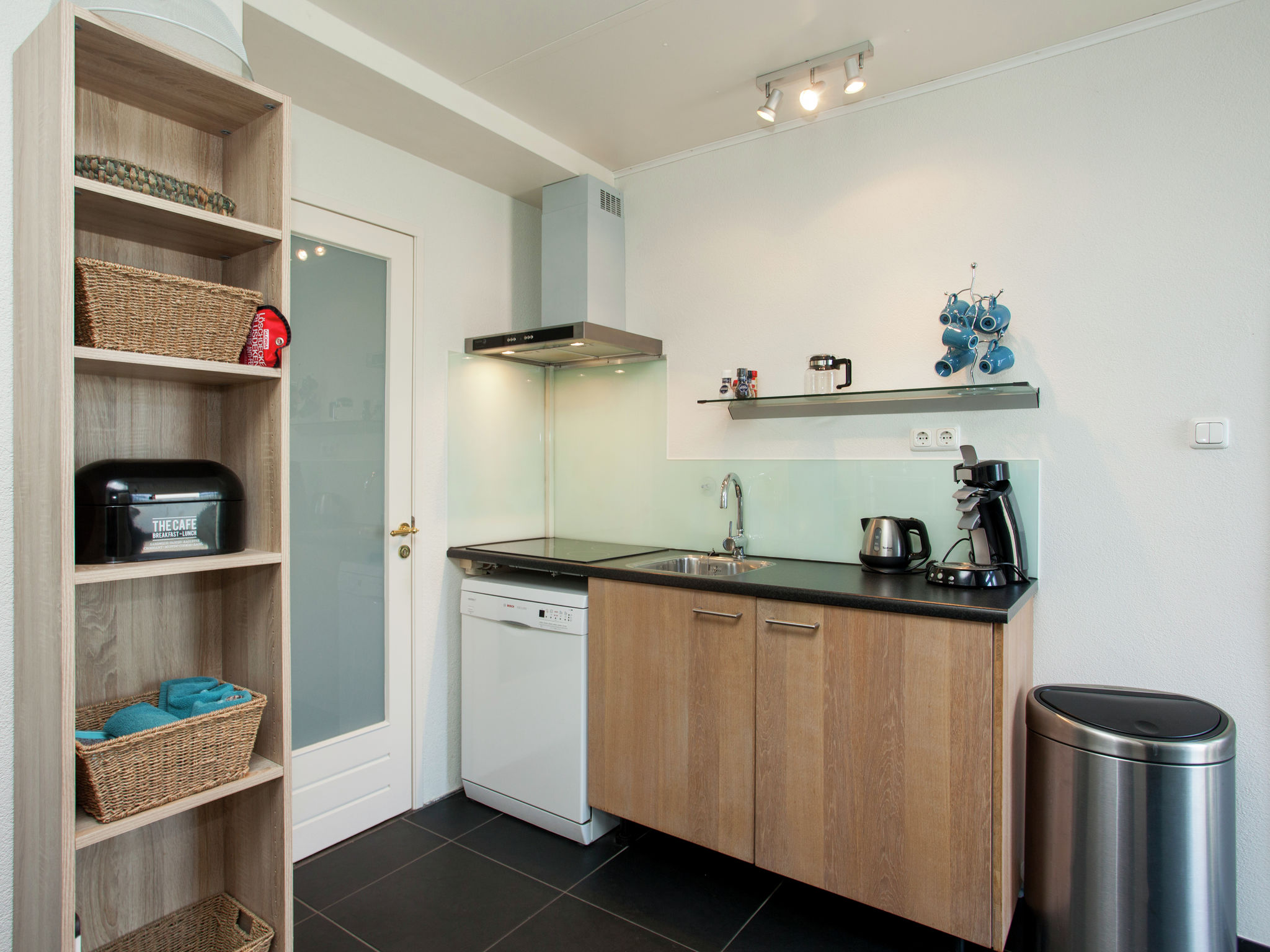 Holland | North Sea Coast South | Holiday home 't Rijnhuisje | all year | Kitchen