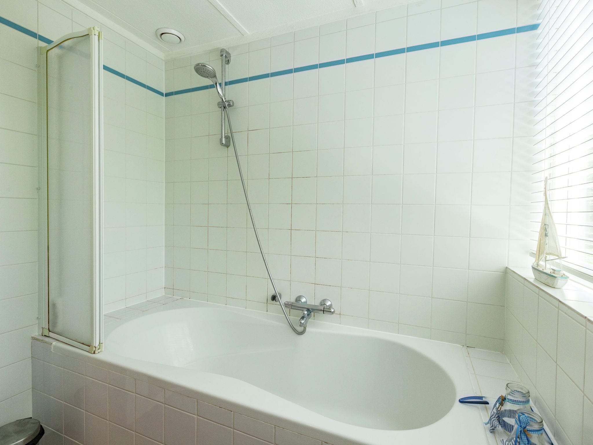 Holland | Zeeland | Holiday home De Zeekraal | all year | BathRoom