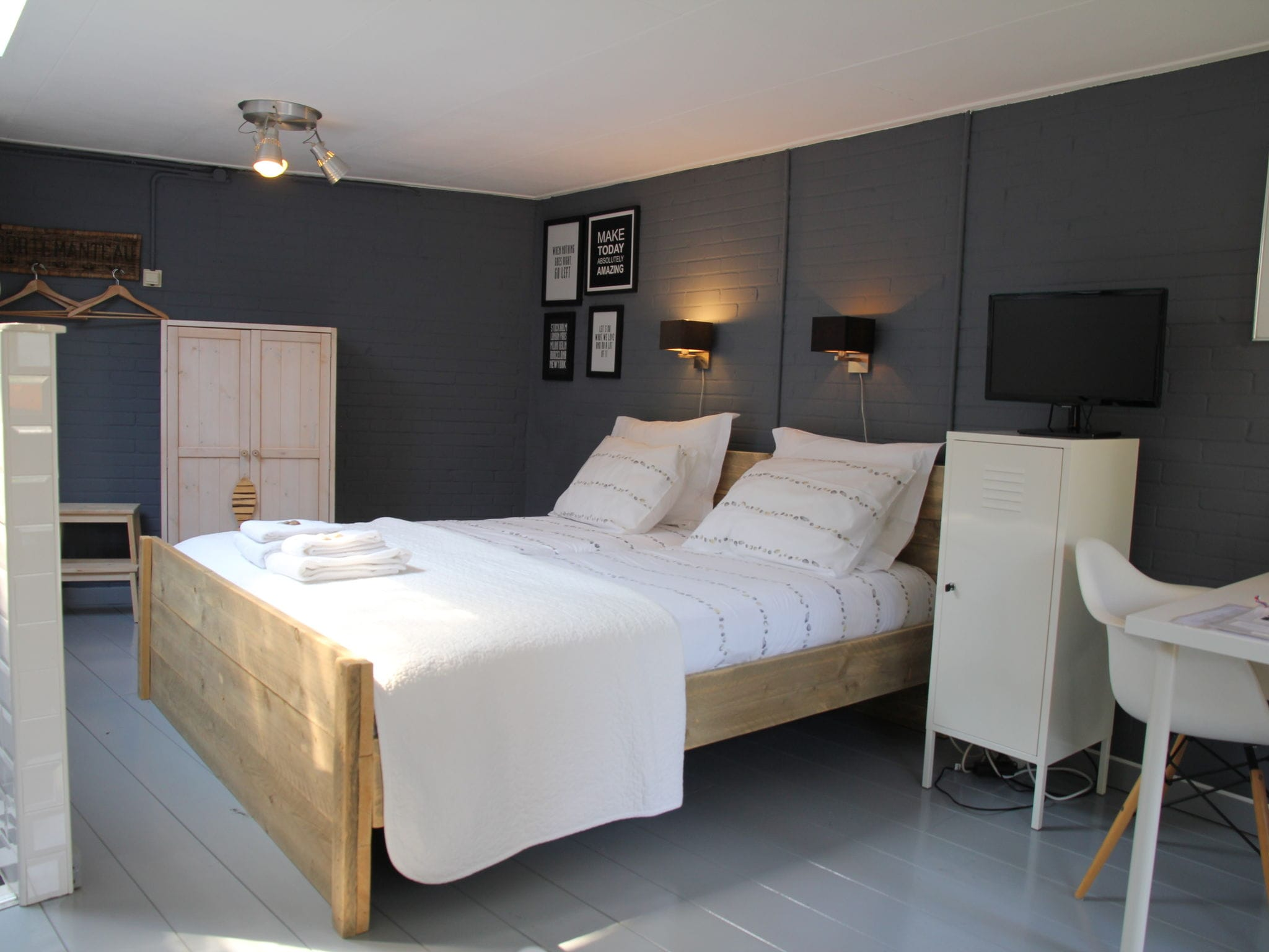 Holland | North Sea Coast North | Holiday home 't Zomerhuis | all year | BedRoom