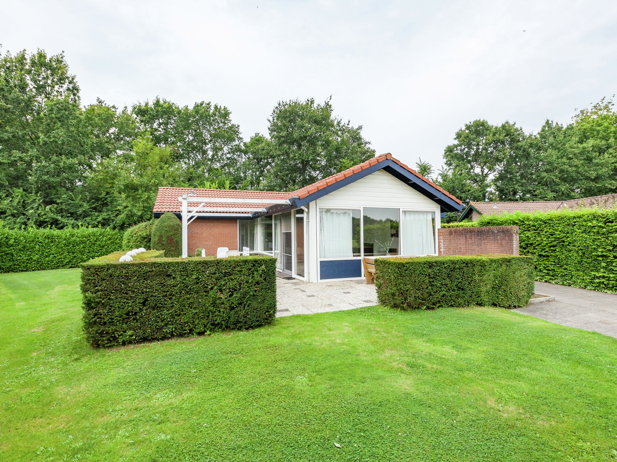 Holland | Zeeland | Holiday home Oranjeplaat | all year | ExteriorSummer