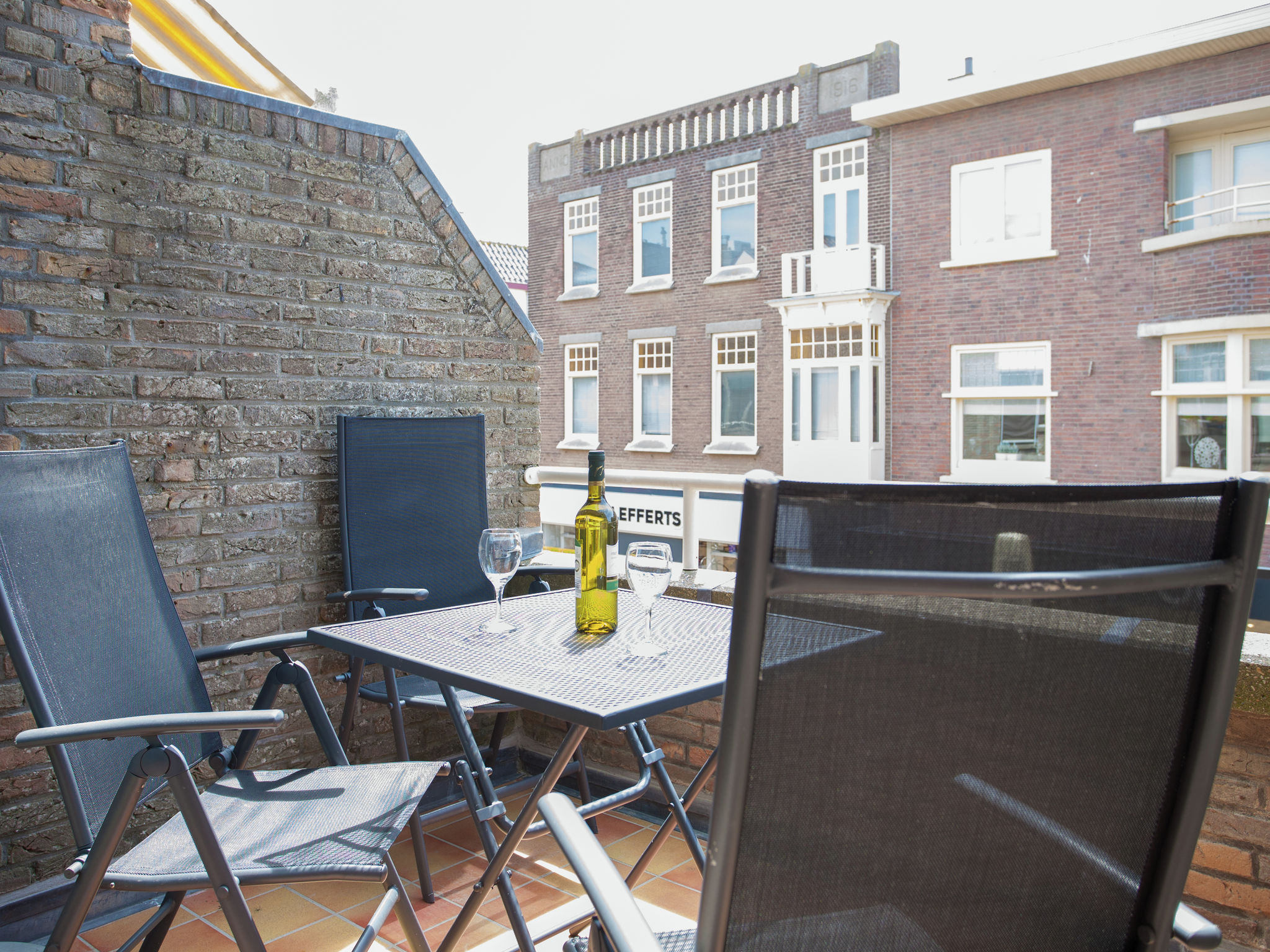 Holland | North Sea Coast South | Holiday home Taateville | all year | TerraceBalcony