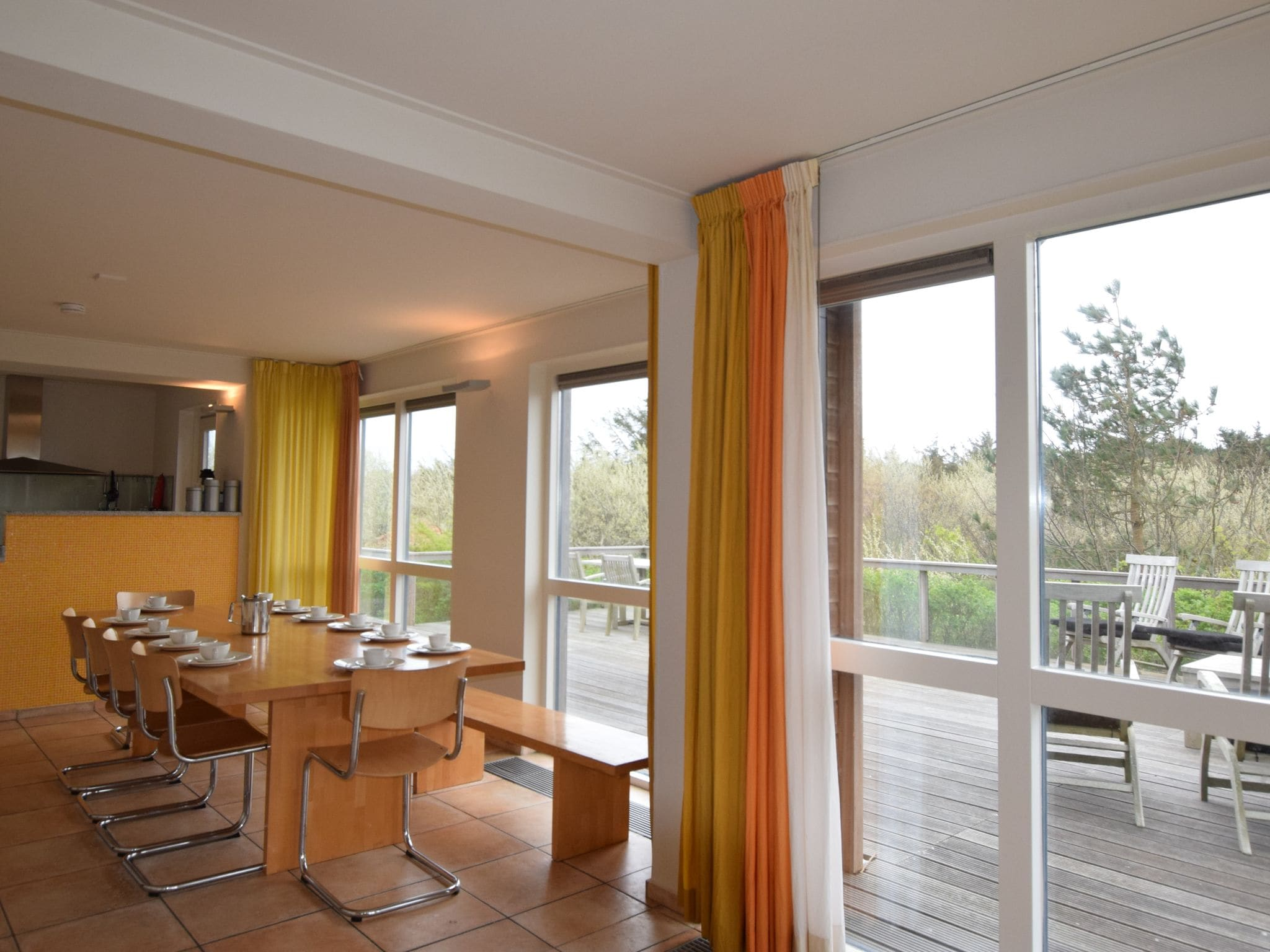 Holland | Wad Islands | Holiday home Villa Vlieland | all year | DiningRoom