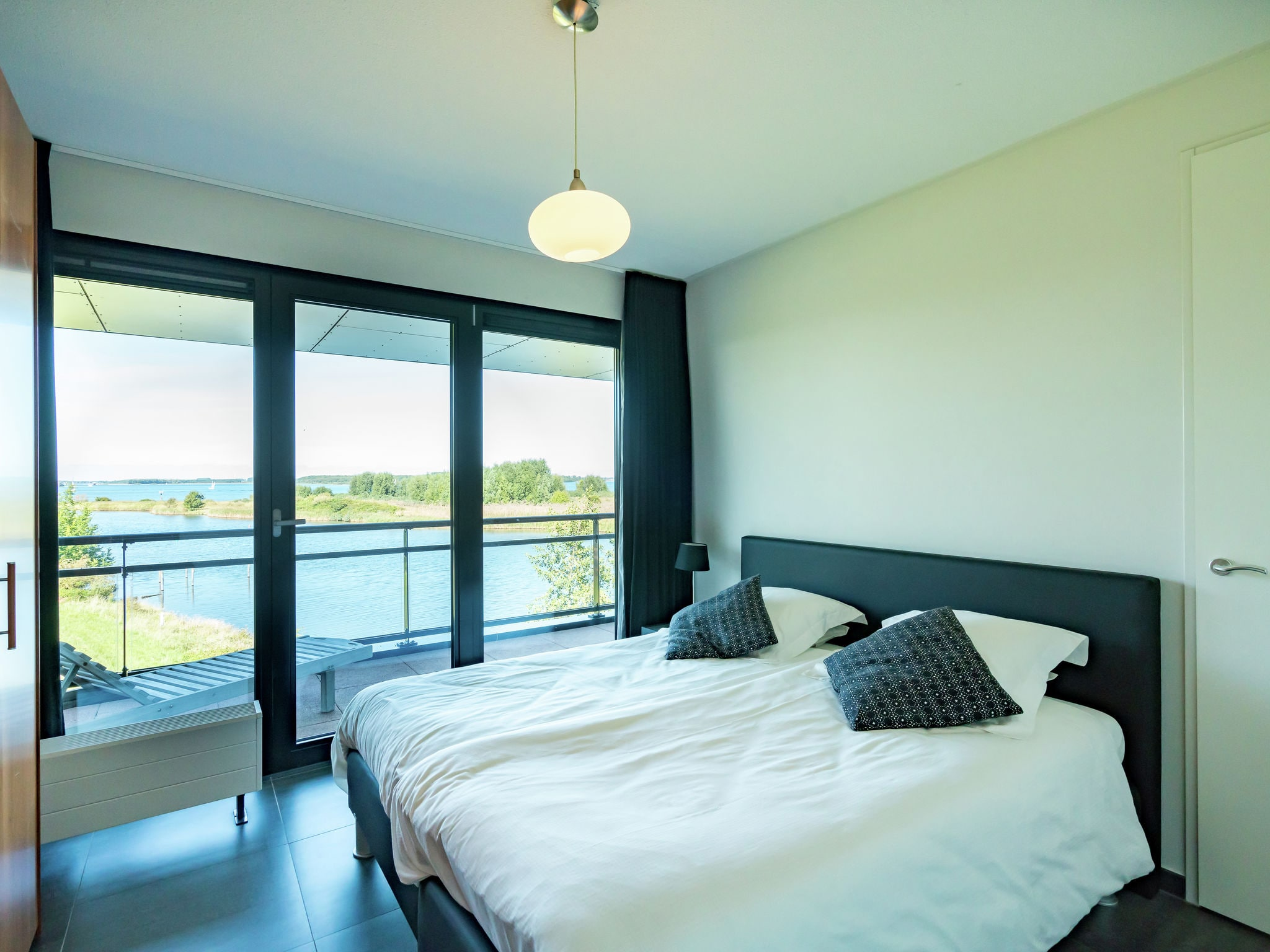 Holland | Zeeland | Holiday home Bastiaan de Langeplaat | all year | BedRoom