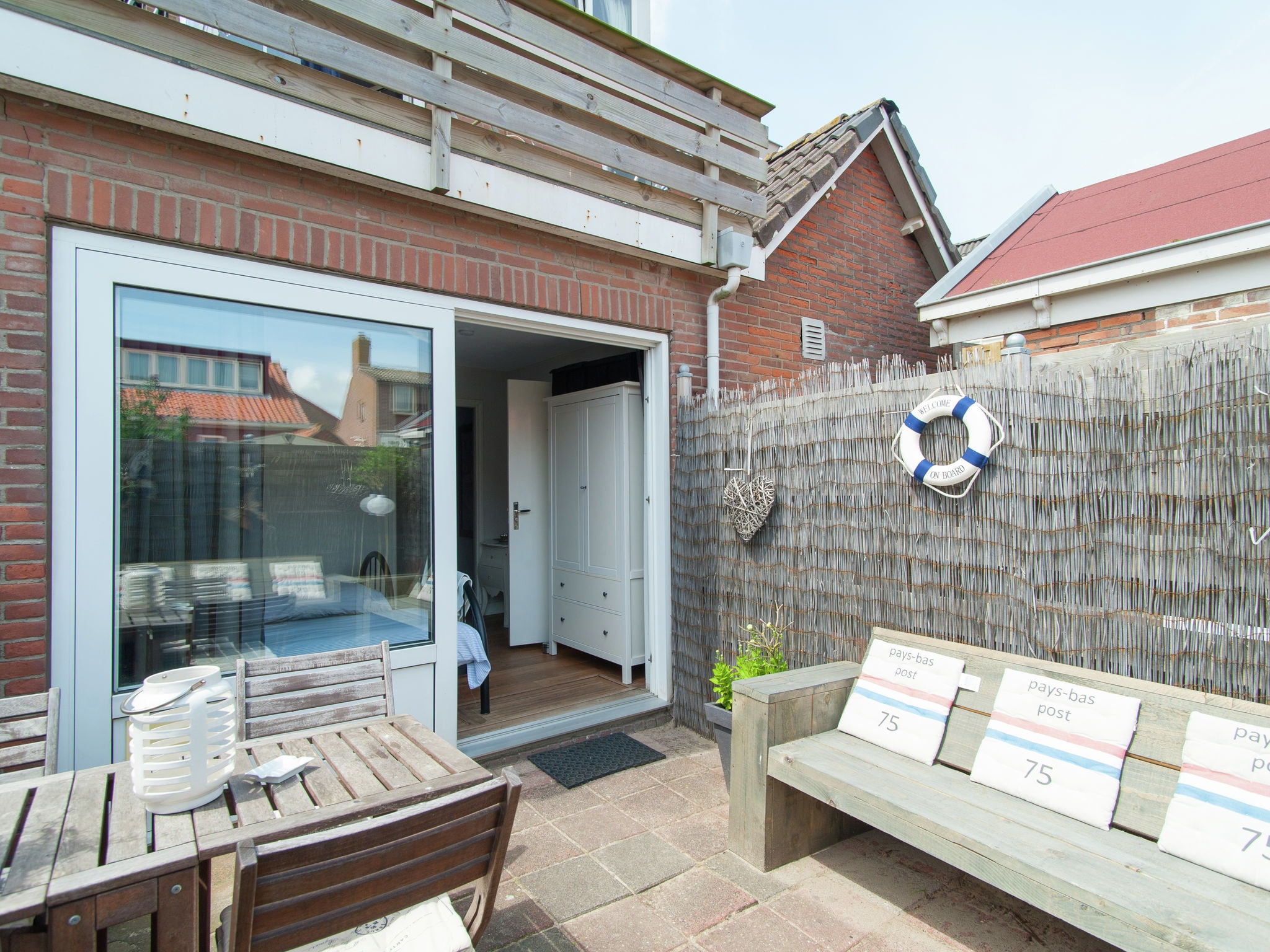 Holland | North Sea Coast North | Holiday home Boulevard en Strand | all year | TerraceBalcony