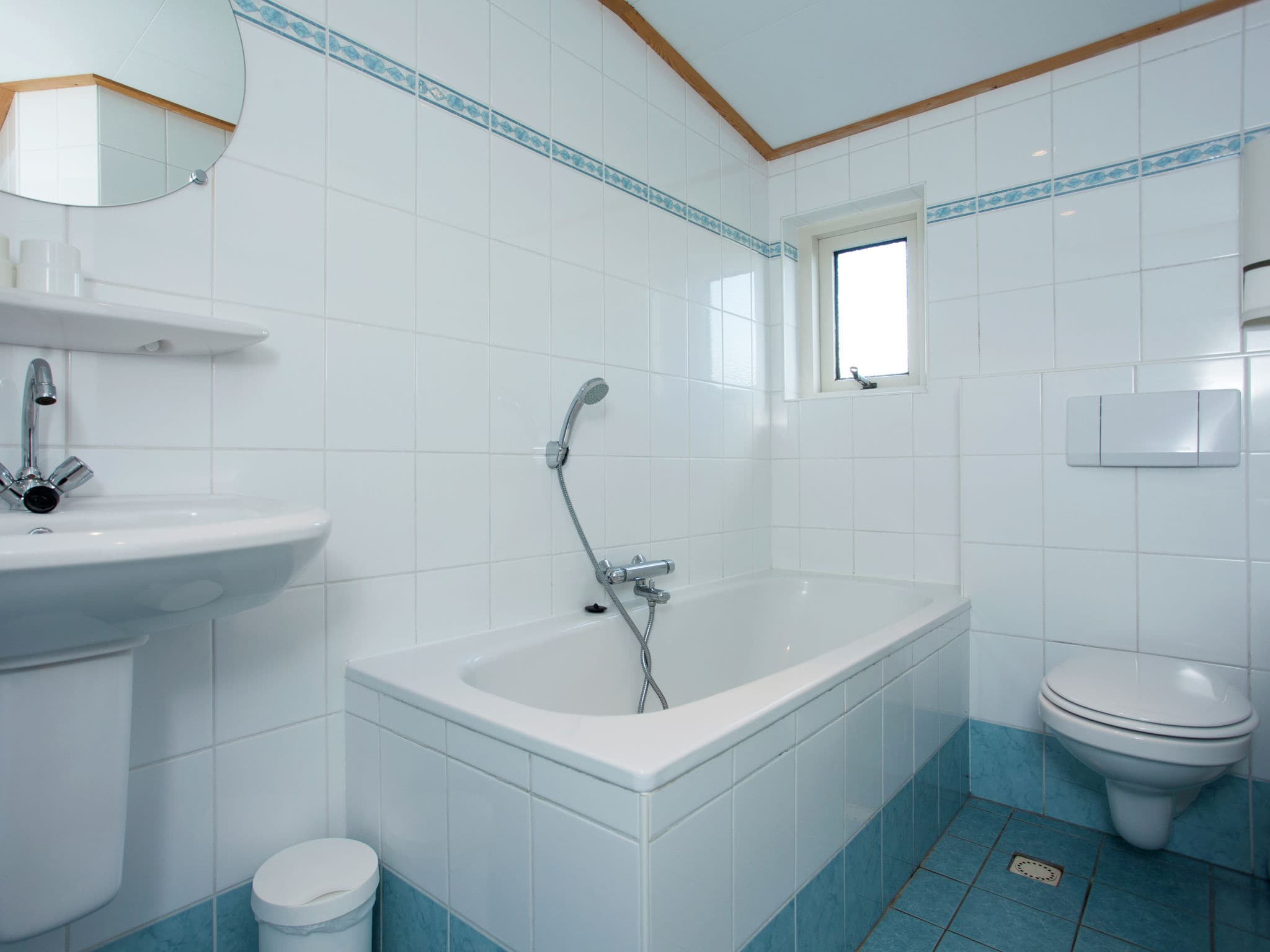 Holland | Wad Islands | Holiday home In 't Zand | all year | BathRoom