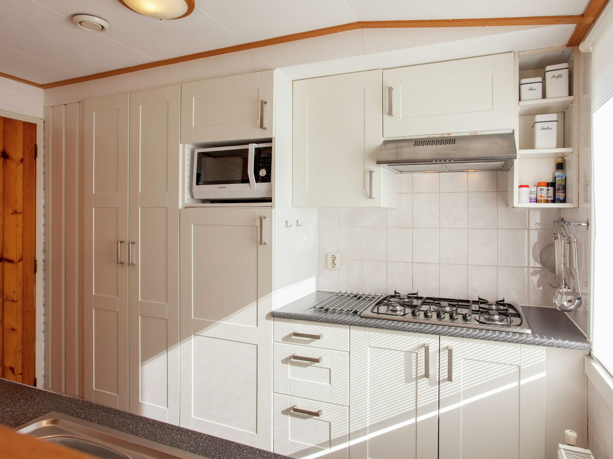 Holland | Wad Islands | Holiday home In 't Zand | all year | Kitchen