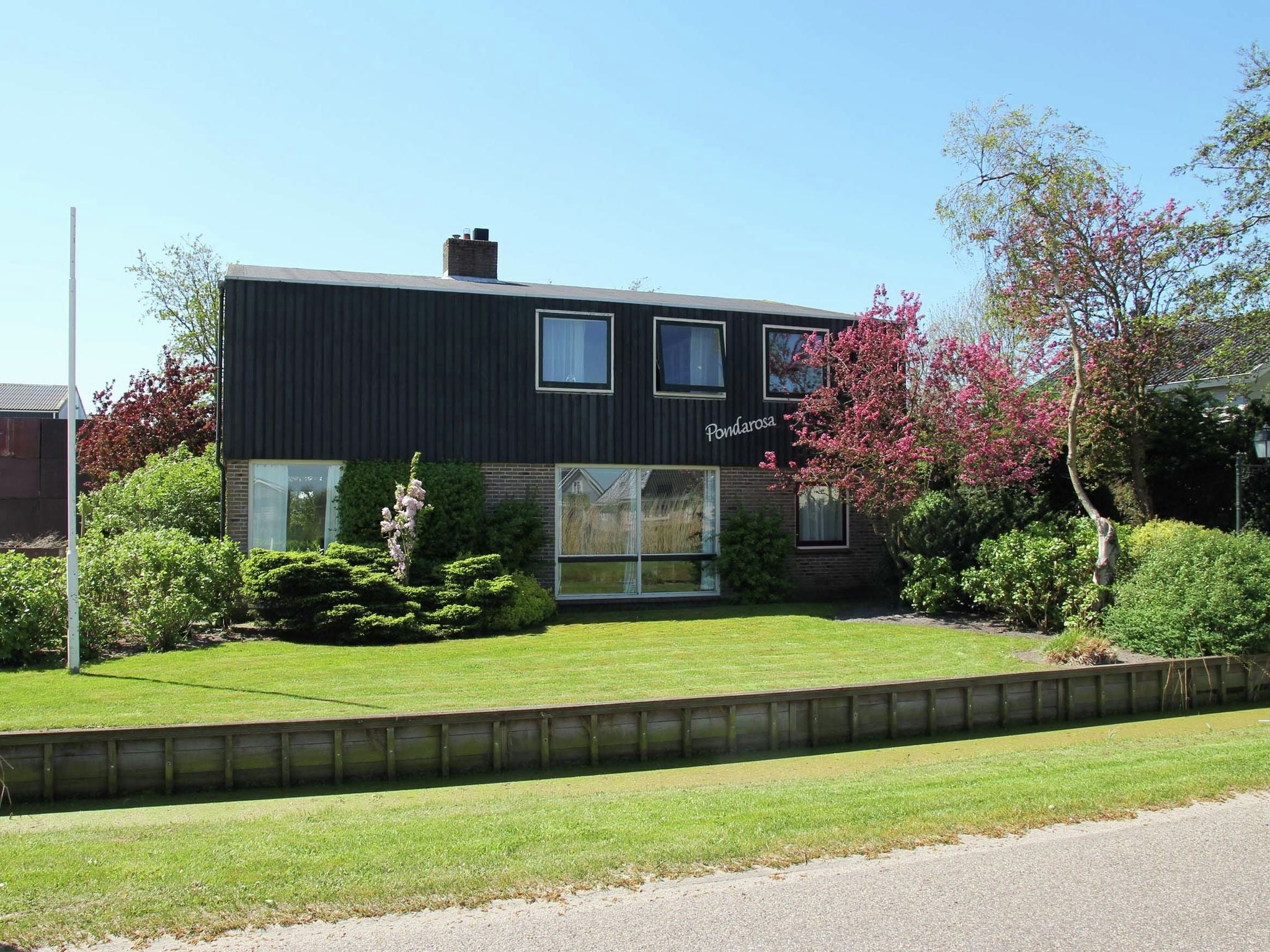 Holland | North Sea Coast North | Holiday home Pondarosa | all year | ExteriorSummer