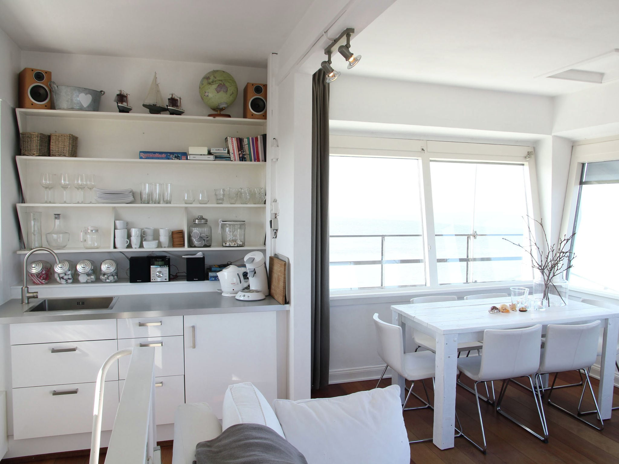 Holland | North Sea Coast North | Holiday home De Kustwachttoren | all year | DiningRoom