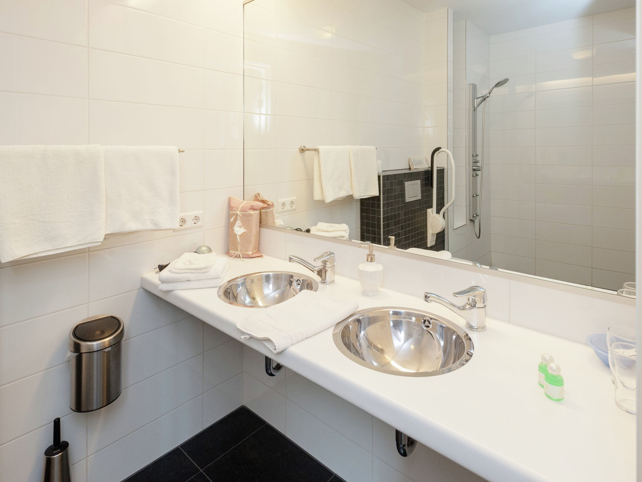 Holland | North Sea Coast North | Holiday home Hoeve De Monnick | all year | BathRoom