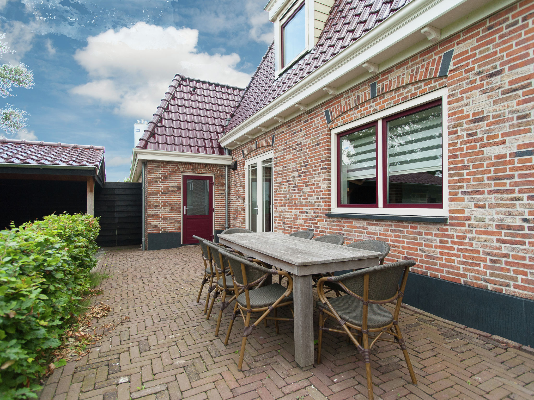 Holland | North Sea Coast North | Holiday home Aan de Waterkant | all year | TerraceBalcony