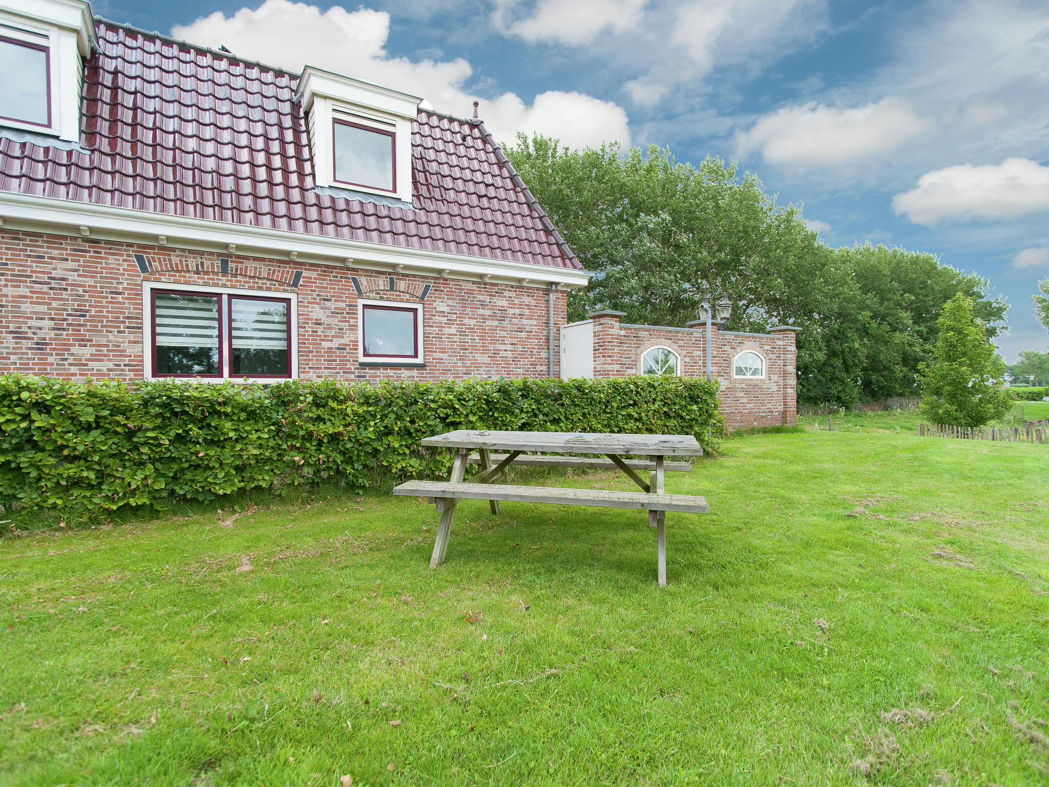 Holland | North Sea Coast North | Holiday home Aan de Waterkant | all year | GardenSummer