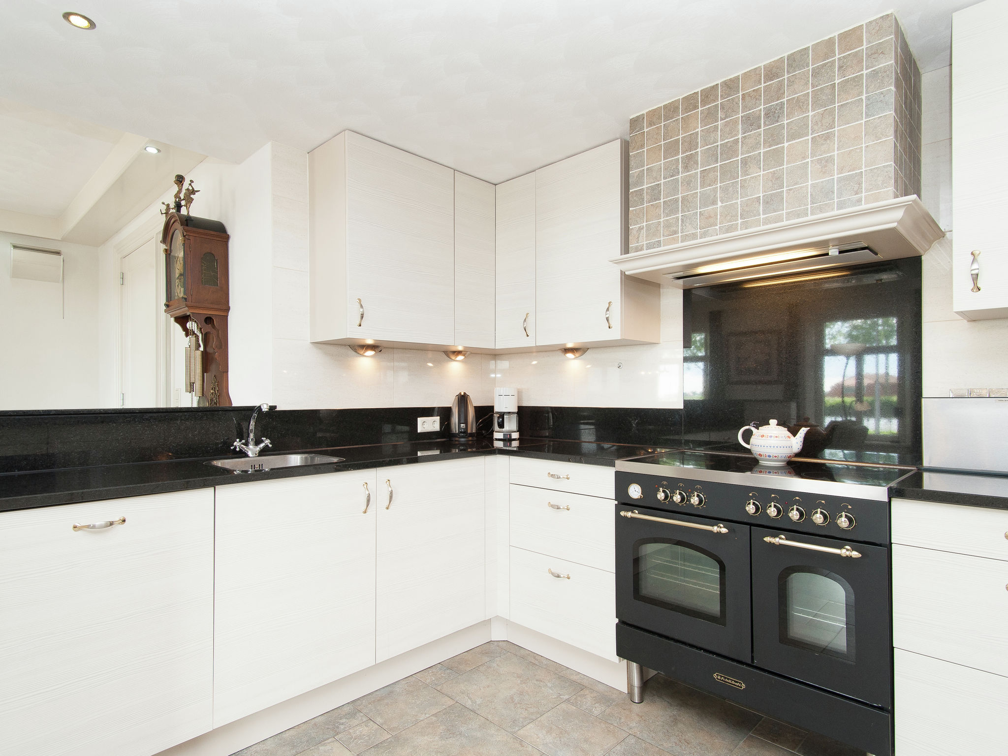Holland | North Sea Coast North | Holiday home Aan de Waterkant | all year | Kitchen