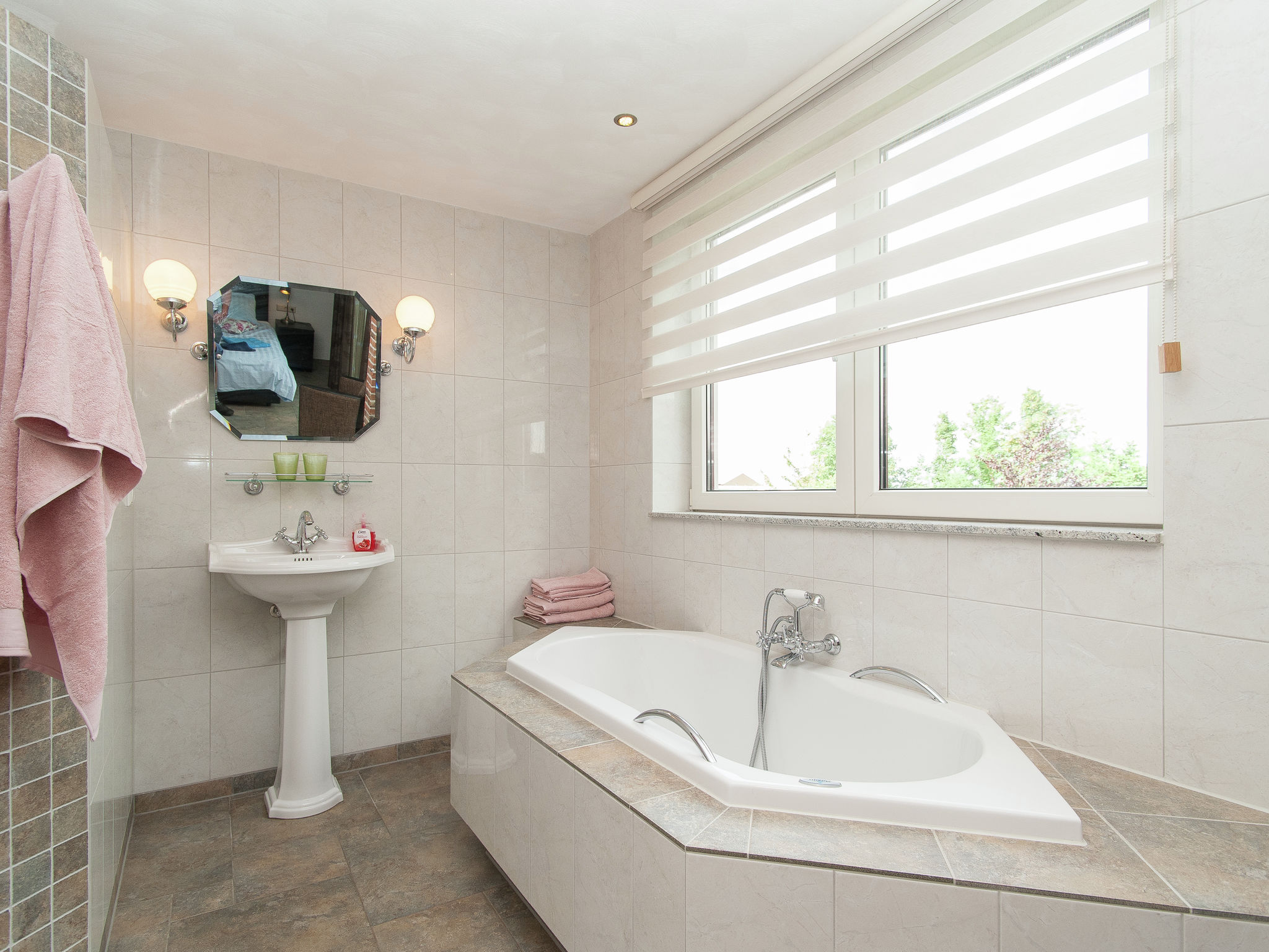 Holland | North Sea Coast North | Holiday home Aan de Waterkant | all year | BathRoom