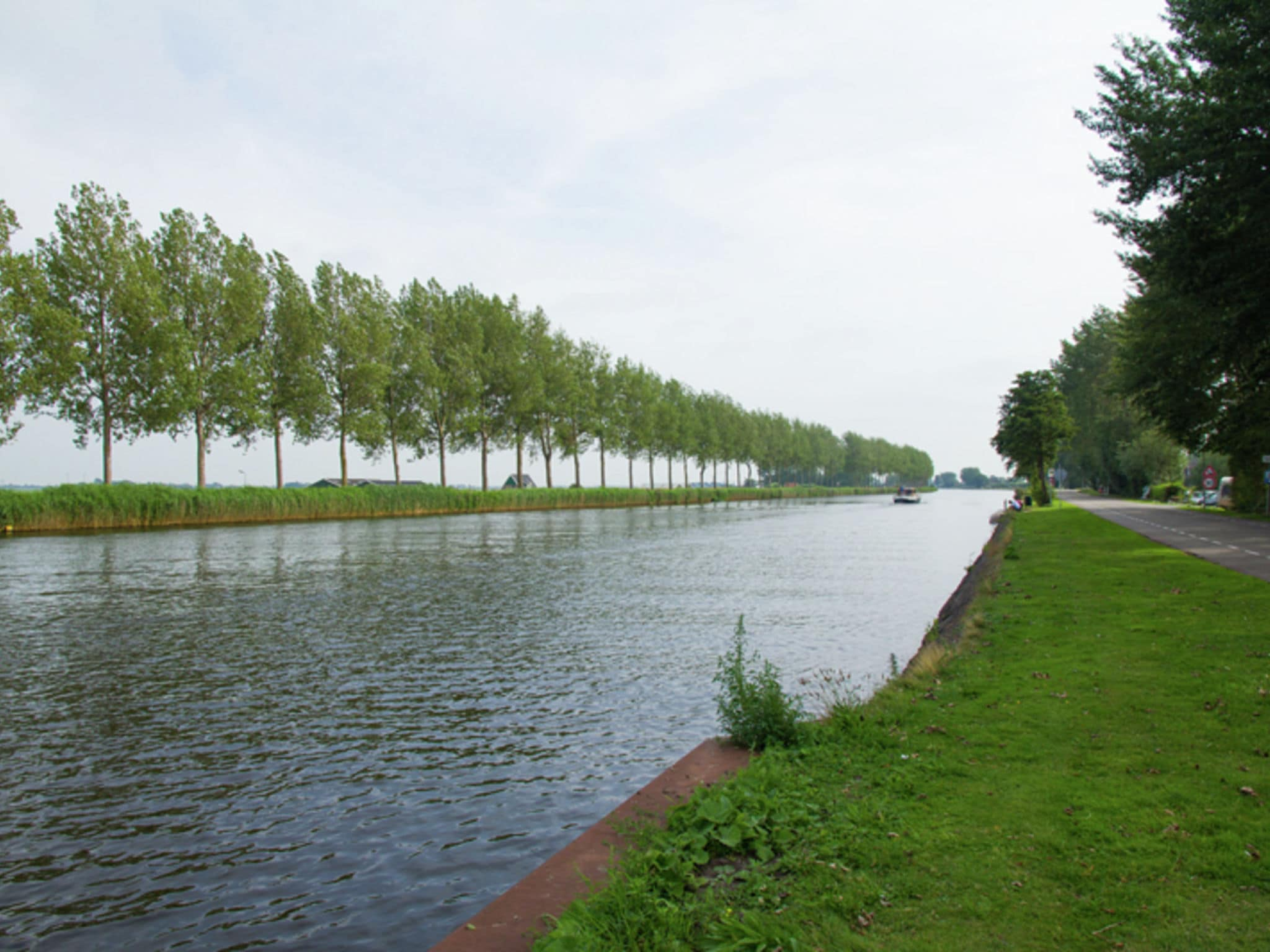 Holland | North Sea Coast North | Holiday home Aan de Waterkant | all year | AreaSummer1KM