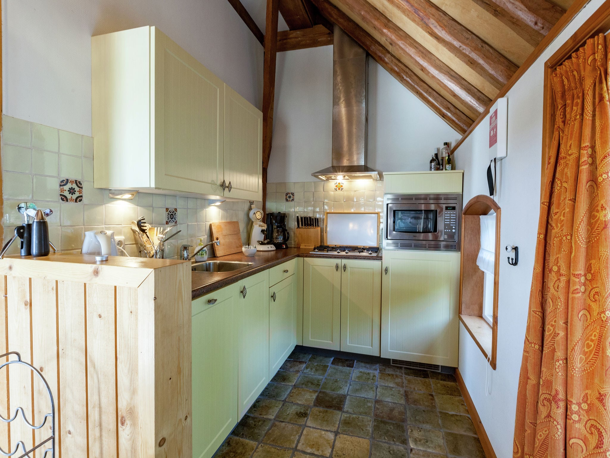 Holland | Friesland | Holiday home 't Friese Koetshuis | all year | Kitchen