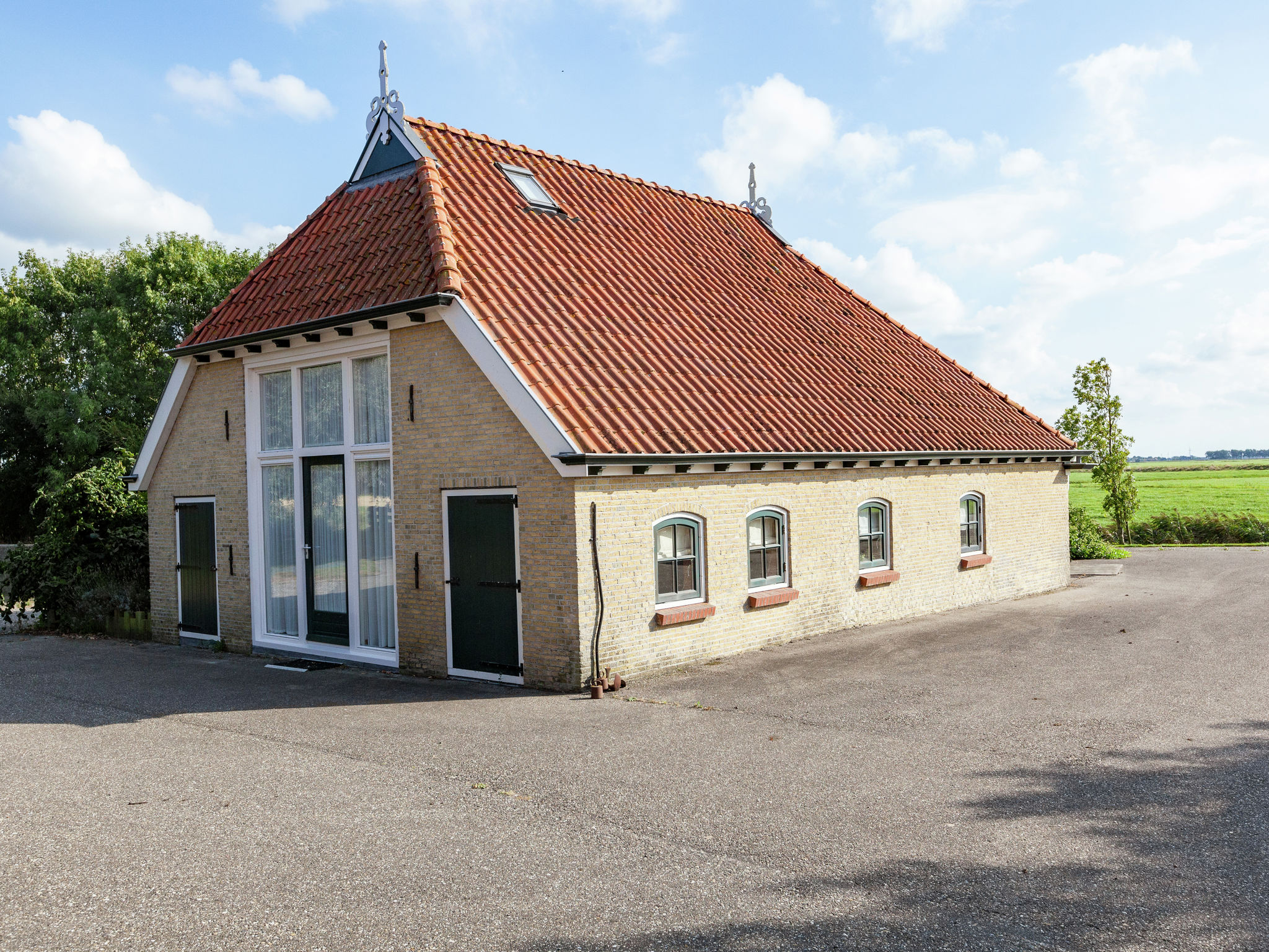 Holland | Friesland | Holiday home 't Friese Koetshuis | all year | ExteriorSummer