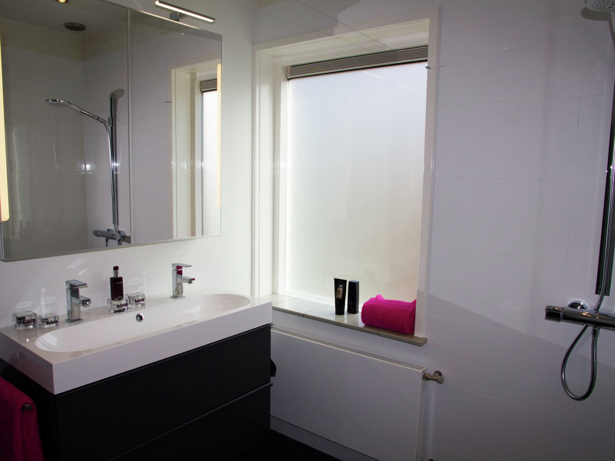Holland | Zeeland | Holiday home De Arne | all year | BathRoom