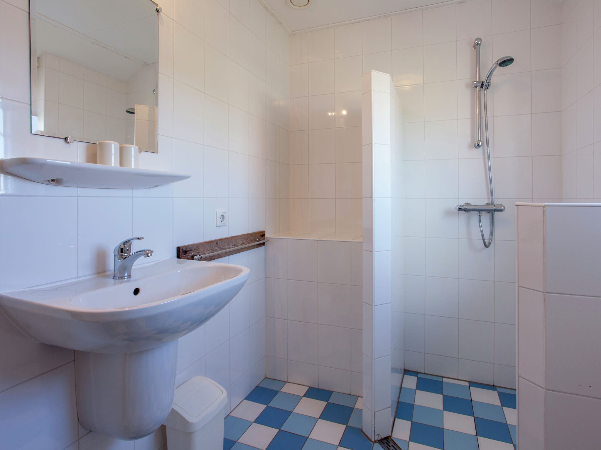 Holland | Wad Islands | Holiday home Villa Zeeschelp | all year | BathRoom
