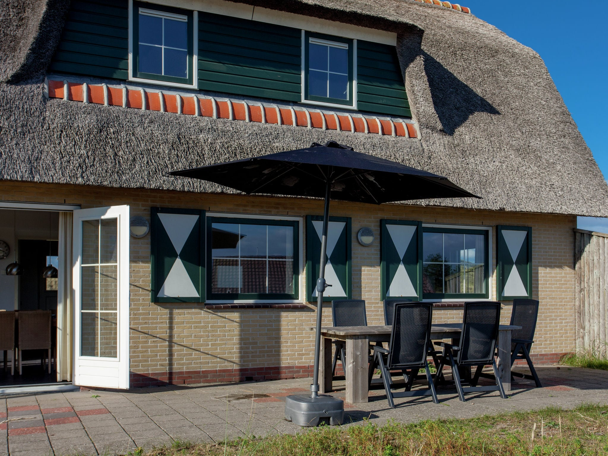 Holland | Wad Islands | Holiday home Villa Zeeschelp | all year | TerraceBalcony