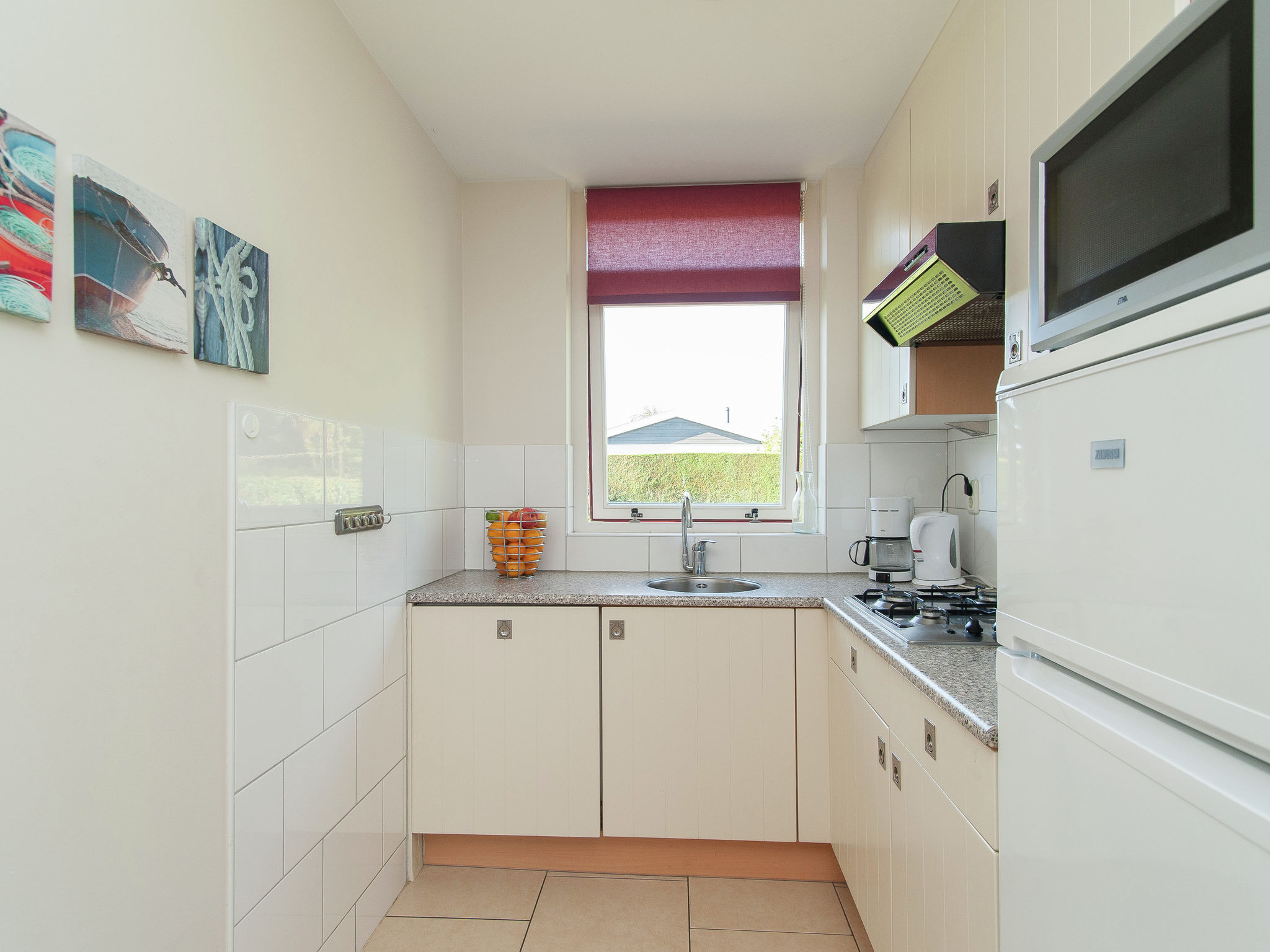 Holland | North Sea Coast South | Holiday home Bungalowpark de Gouden Spar - Grasduin 37 | all year | Kitchen