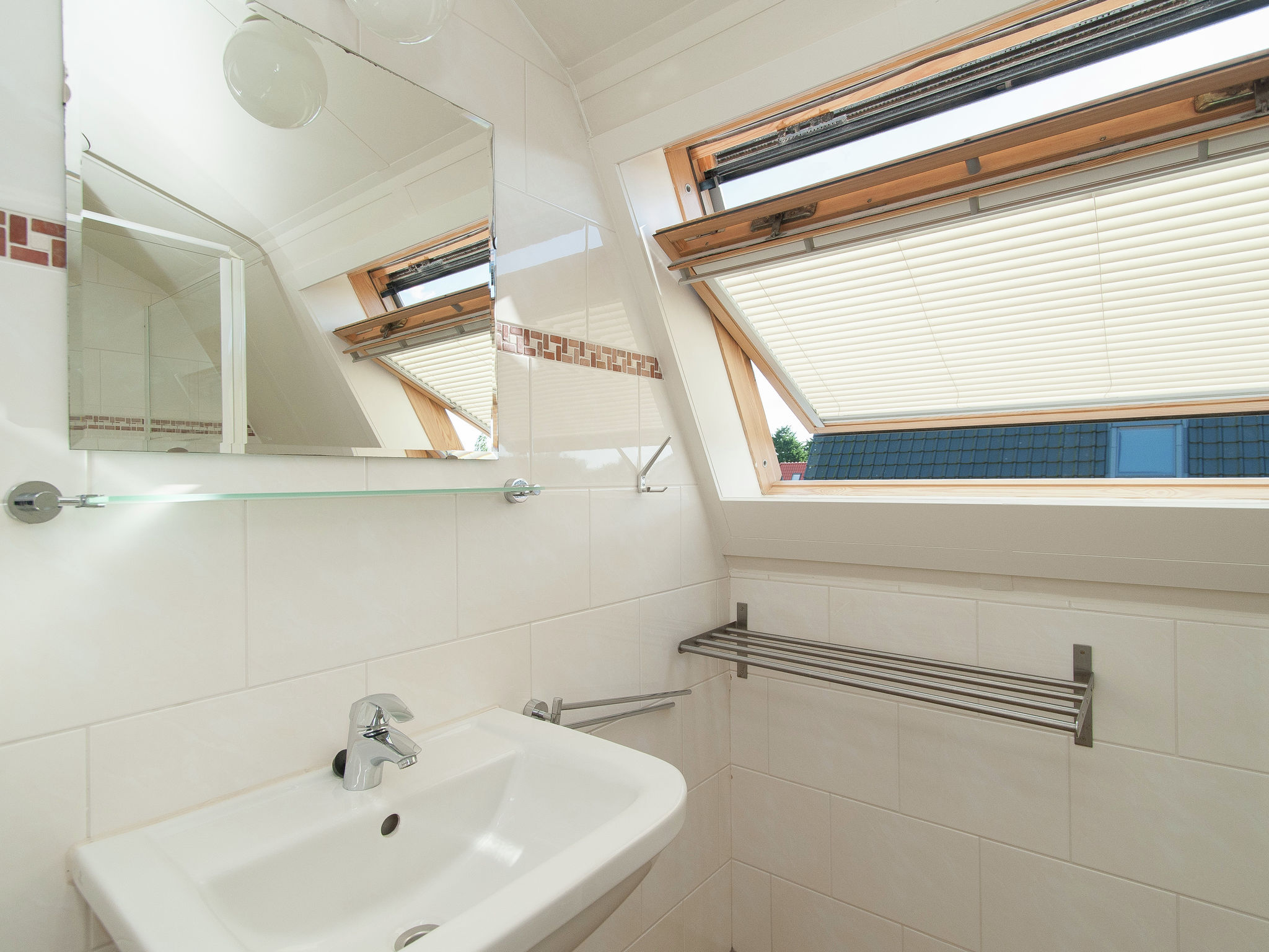 Holland | North Sea Coast South | Holiday home Bungalowpark de Gouden Spar | all year | BathRoom