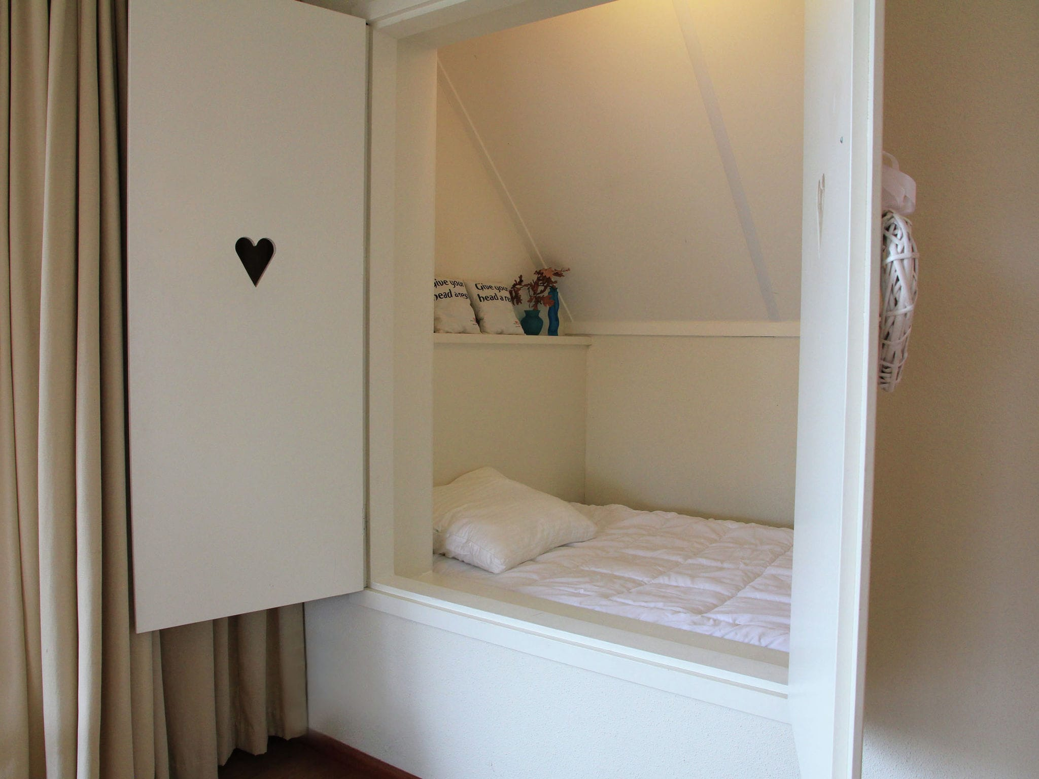 Holland | Friesland | Holiday home Morgenrood | all year | BedRoom