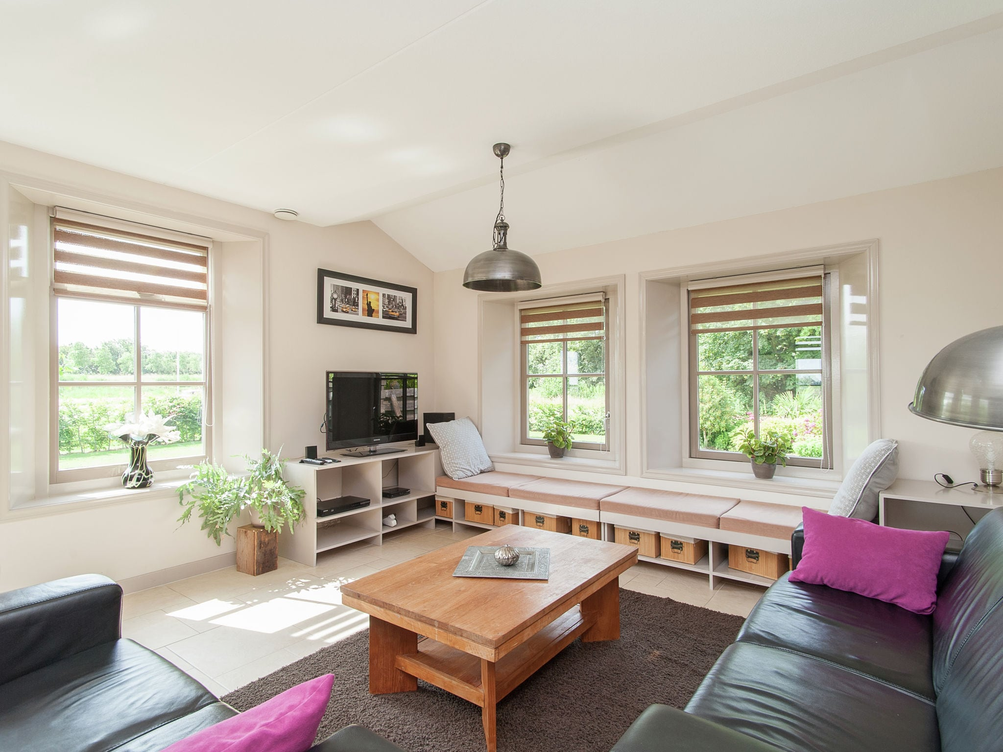 Holland | North Sea Coast North | Holiday home Hoeve Stolpwijk | all year | LivingRoom