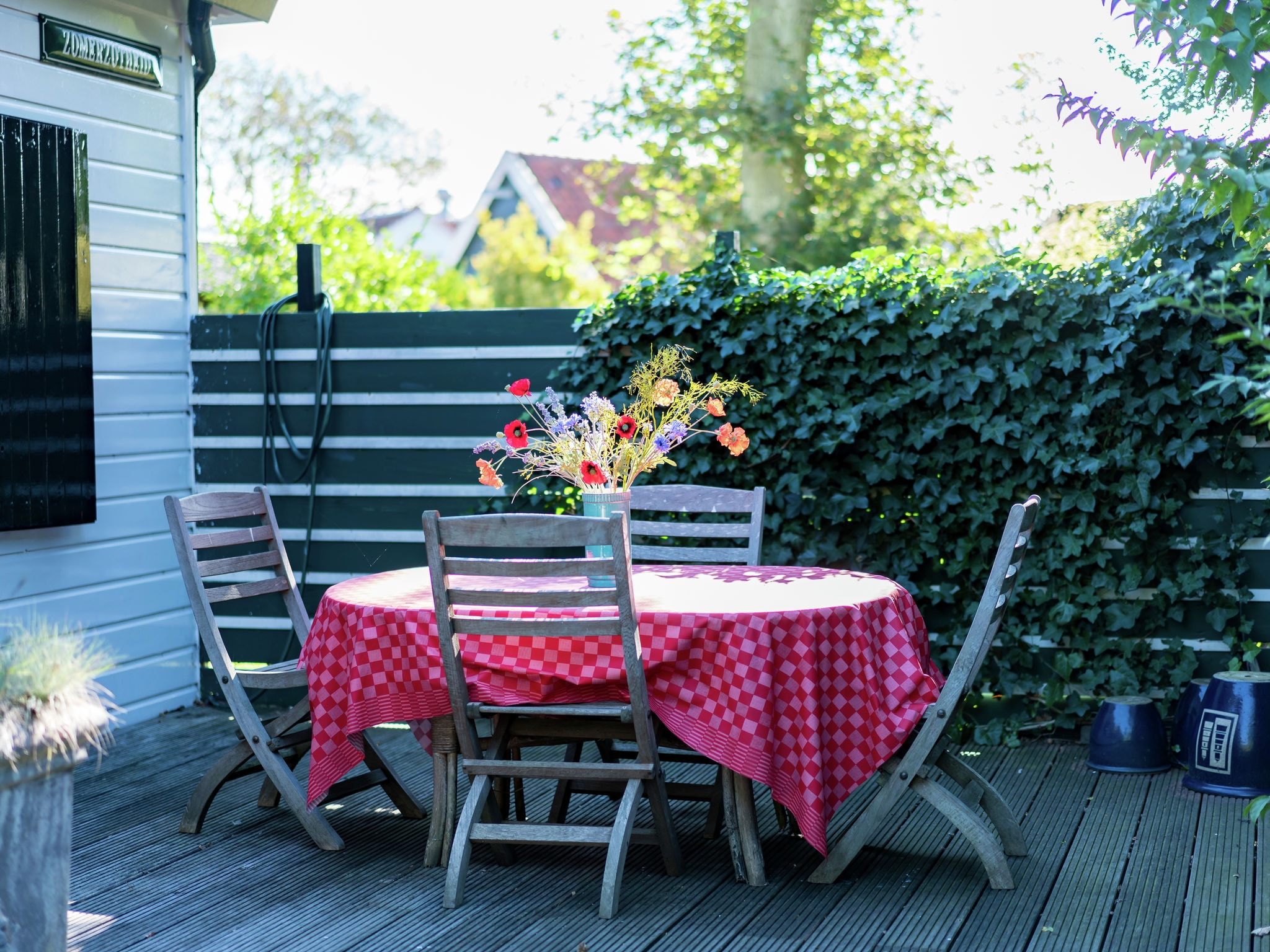 Holland | Zeeland | Holiday home Zomerzotheid | all year | GardenSummer
