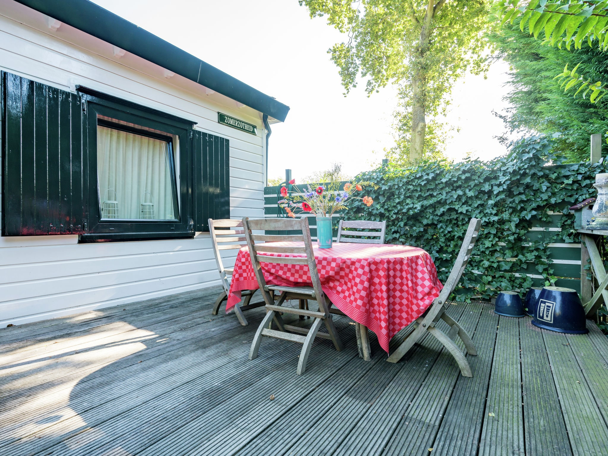 Holland | Zeeland | Holiday home Zomerzotheid | all year | TerraceBalcony