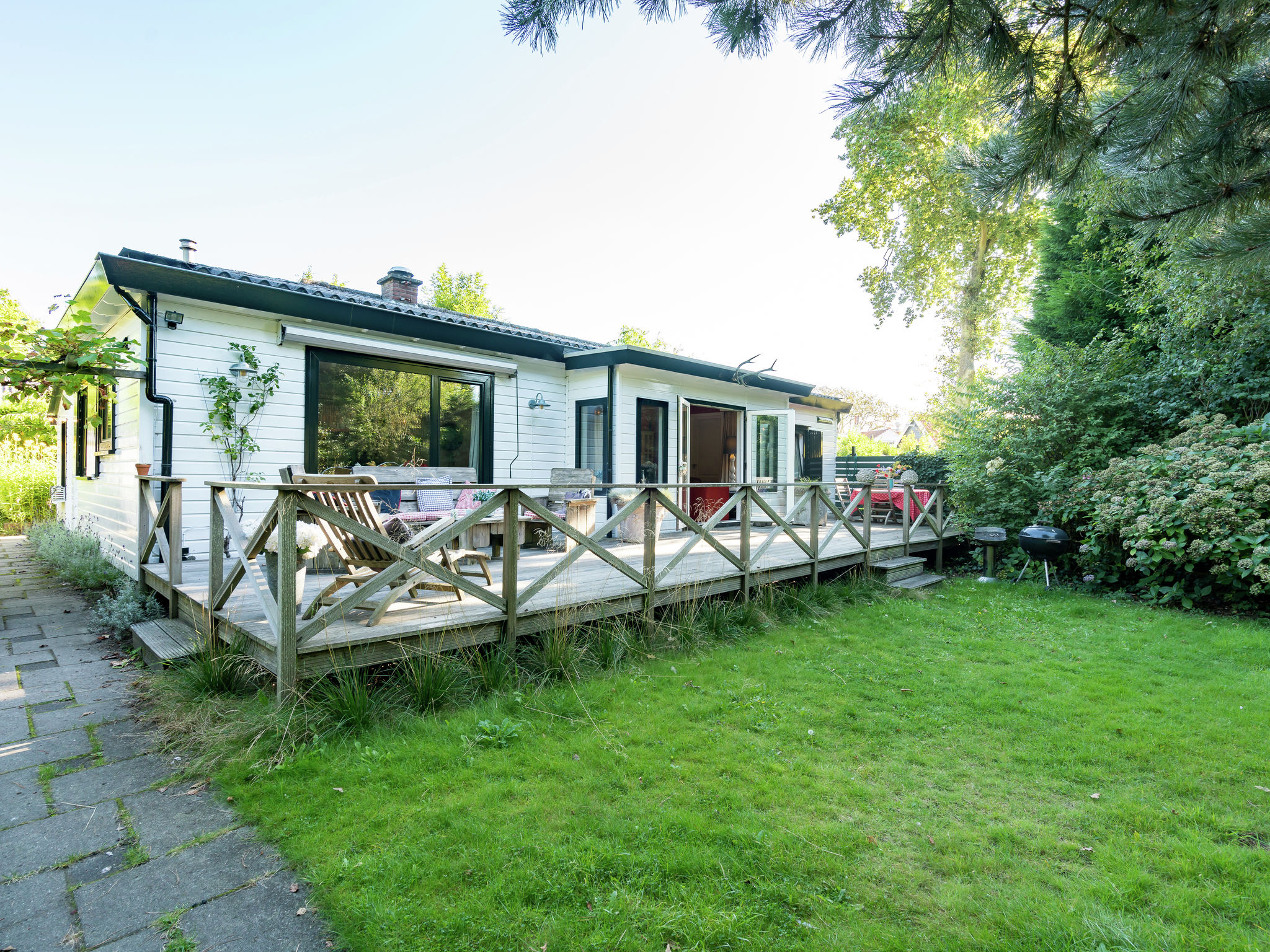 Holland | Zeeland | Holiday home Zomerzotheid | all year | ExteriorSummer